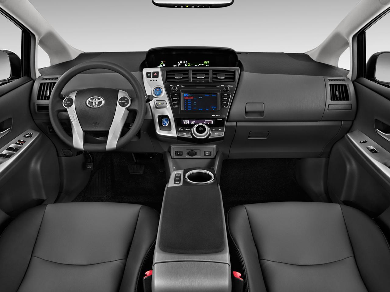 2012 Toyota Prius V Cckpit