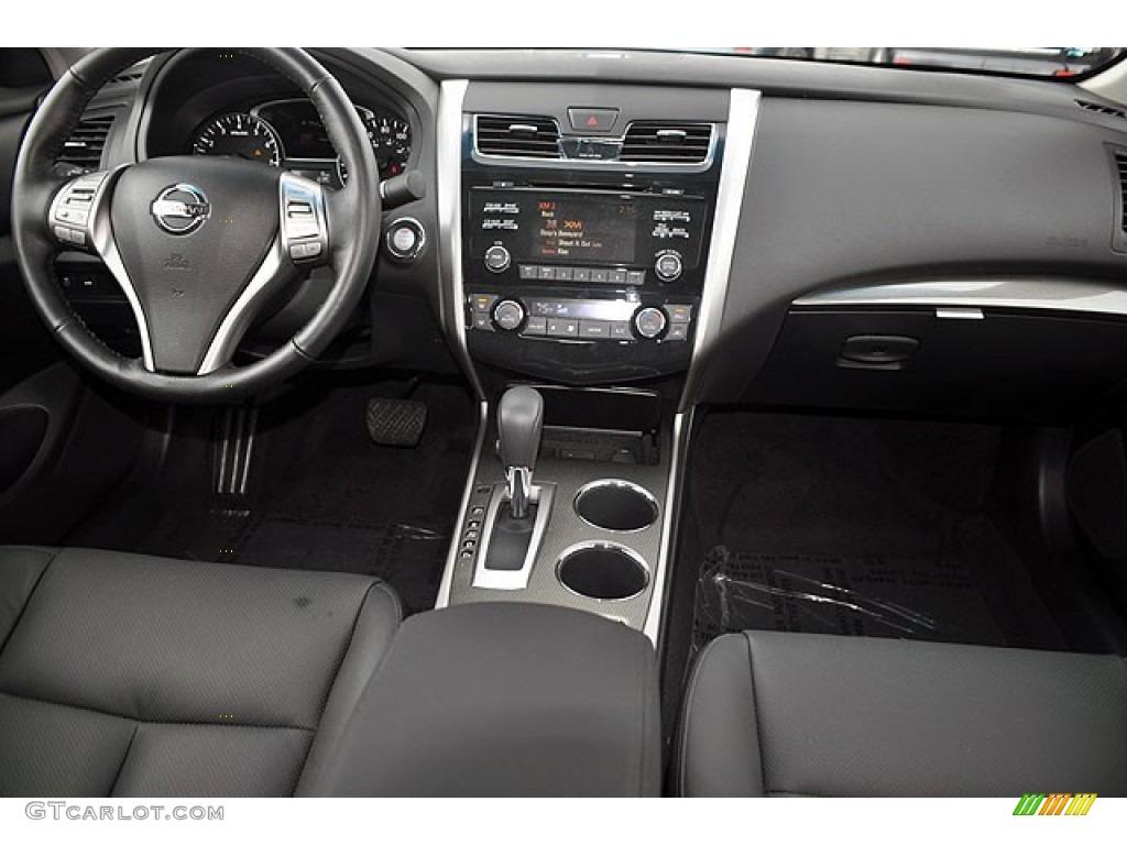 2013 Nissan Altima SL Cockpit