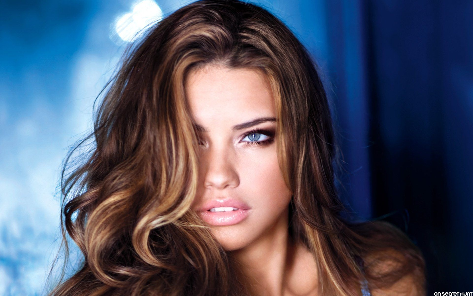 Adriana Lima 4 Cool Wallpapers HD