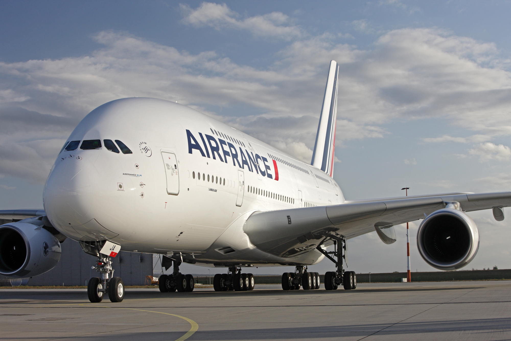 The Air France A380 : First Air France Airbus A380 taking off