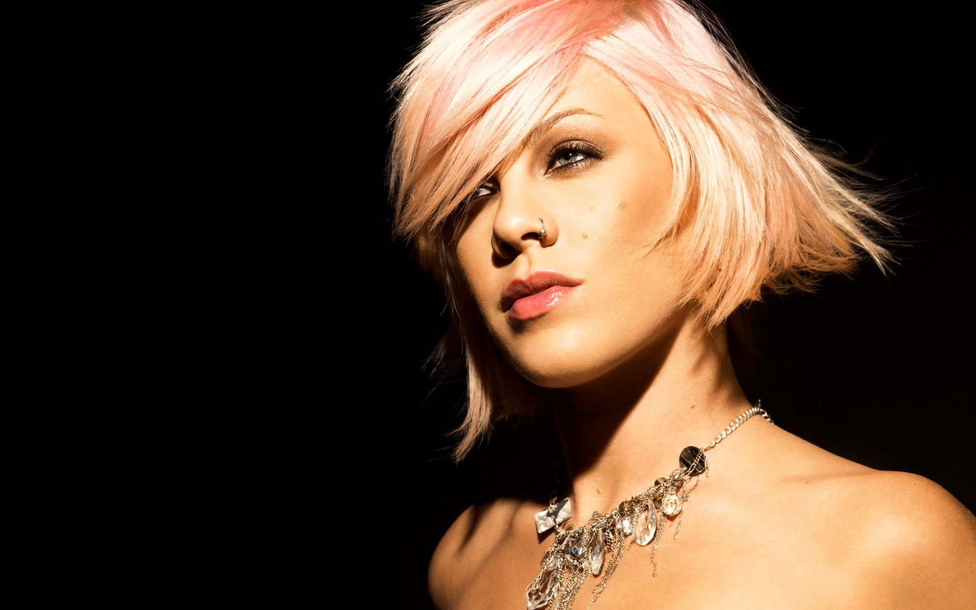 Alecia Beth Moore Wallpaper