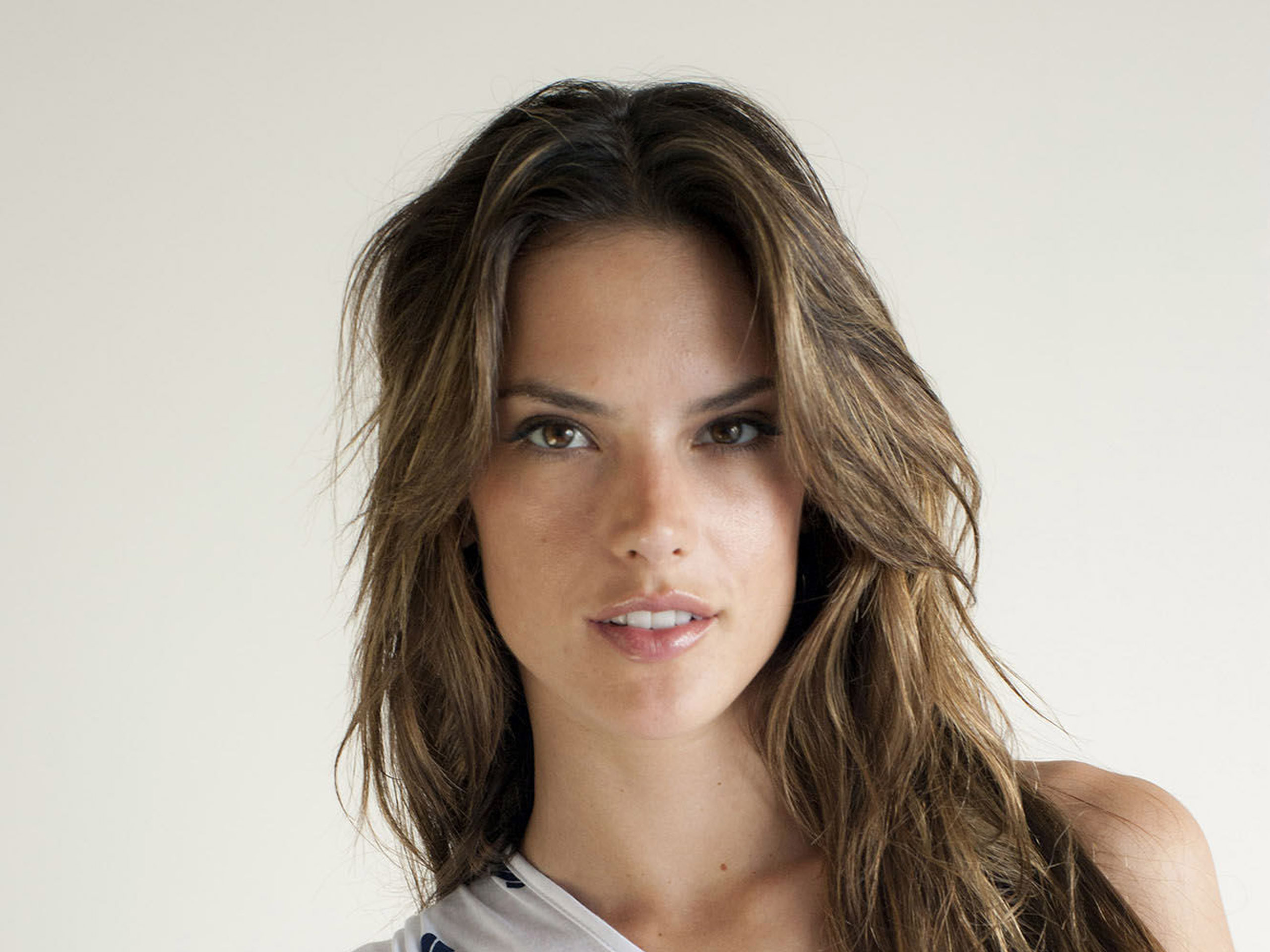 Alessandra Ambrosio HD Wallpapers