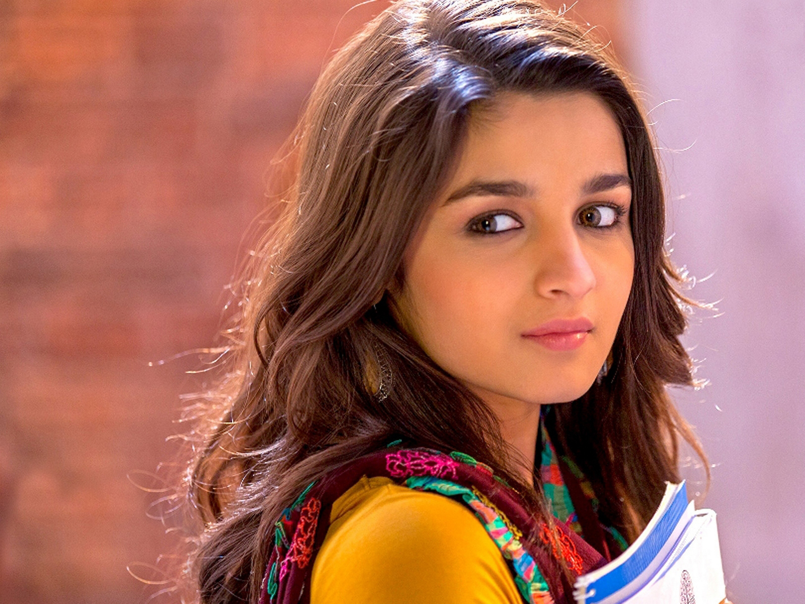 Alia Bhatt Wallpaper Download-3