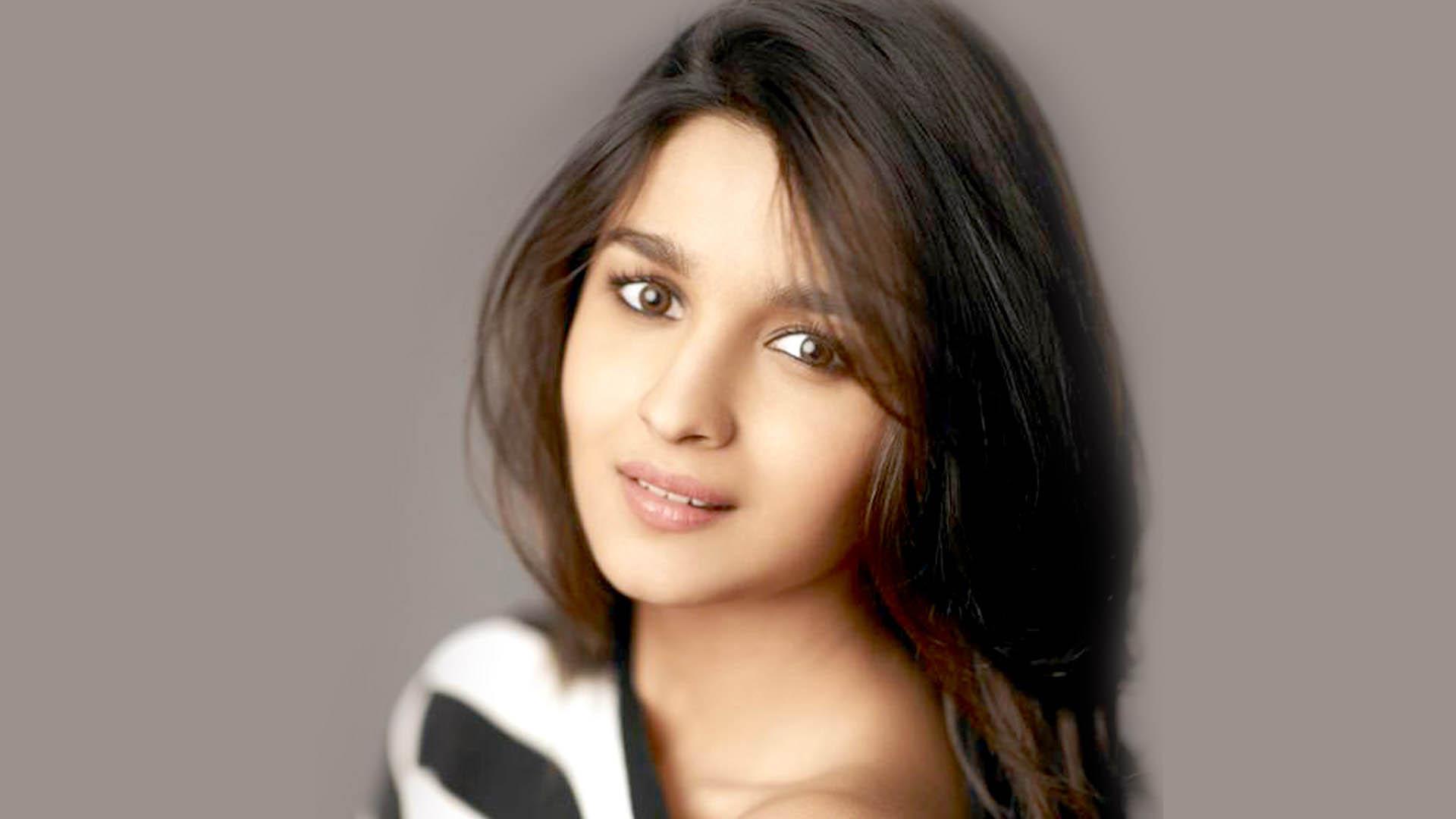 Alia Bhatt Latest HD Wallpapers Free Download