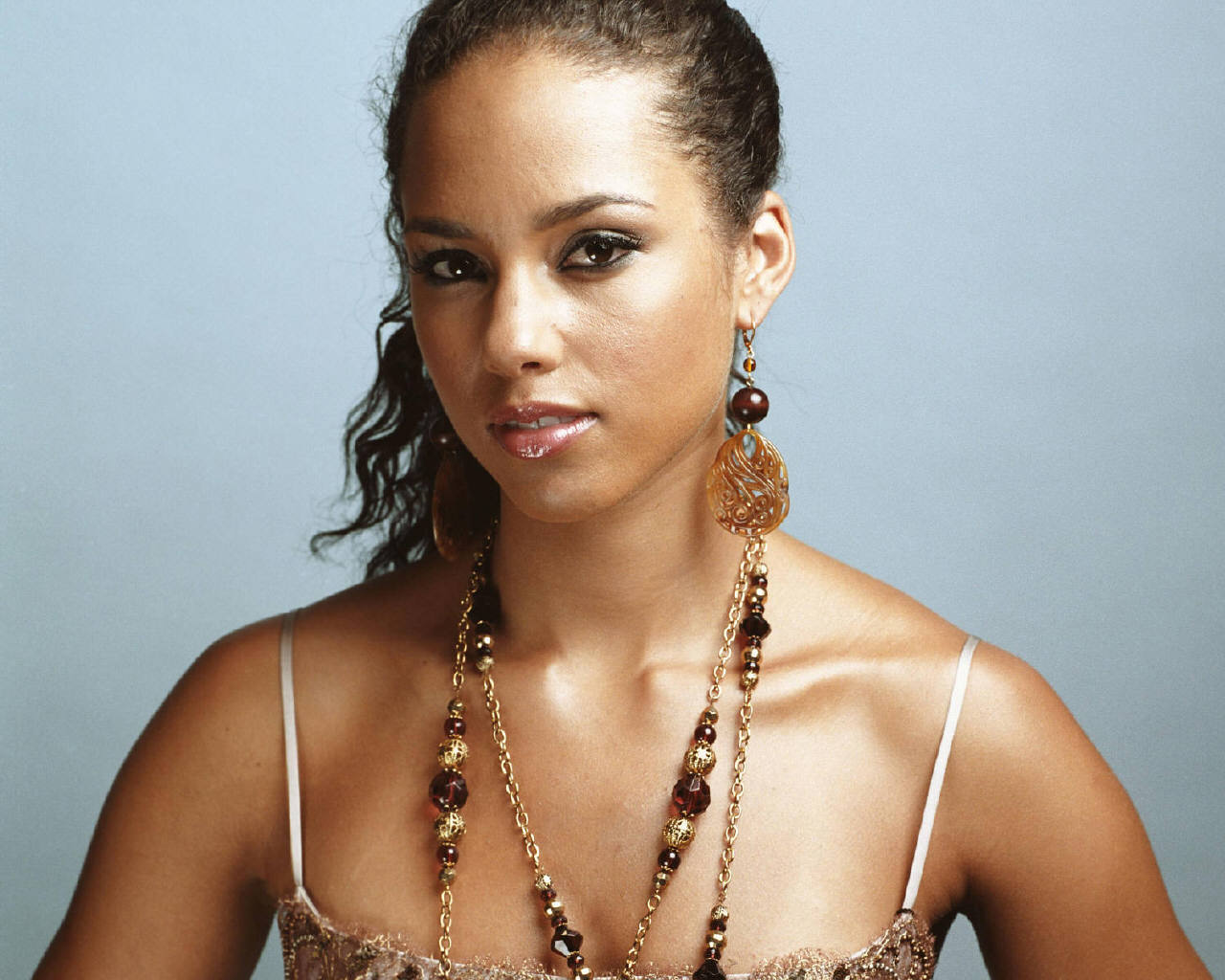 alicia keys1 300x240 BlackBerry Just Hired Alicia Keys to Do What?
