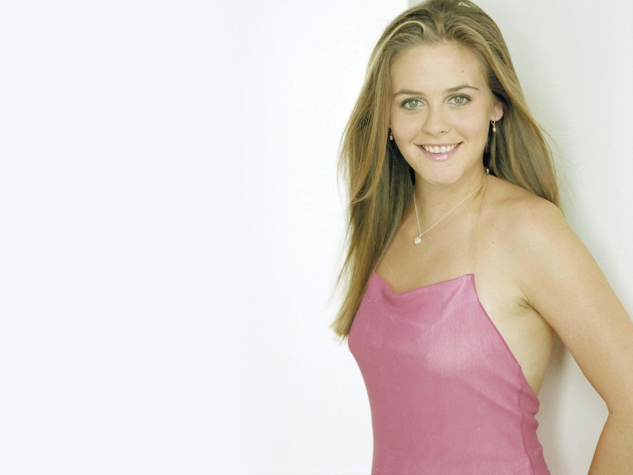 alicia silverstone young naked