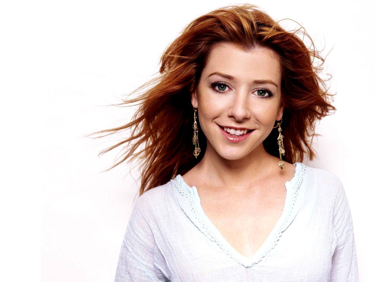 Alyson Hannigan desktop wallpaper