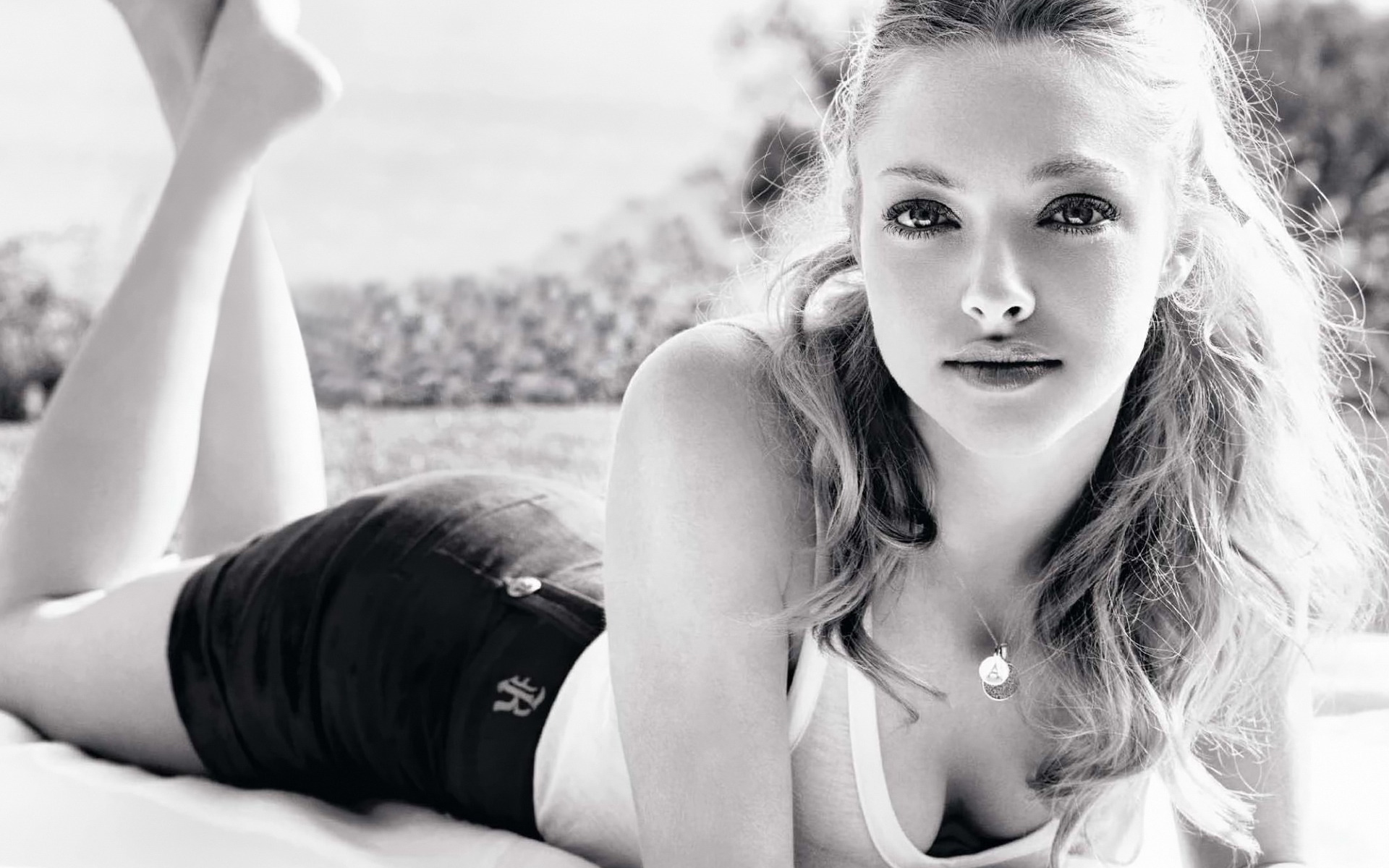 amanda-seyfried-10-HD_wallpapers.jpg Amanda Seyfried Wallpaper Hd 1920x1200