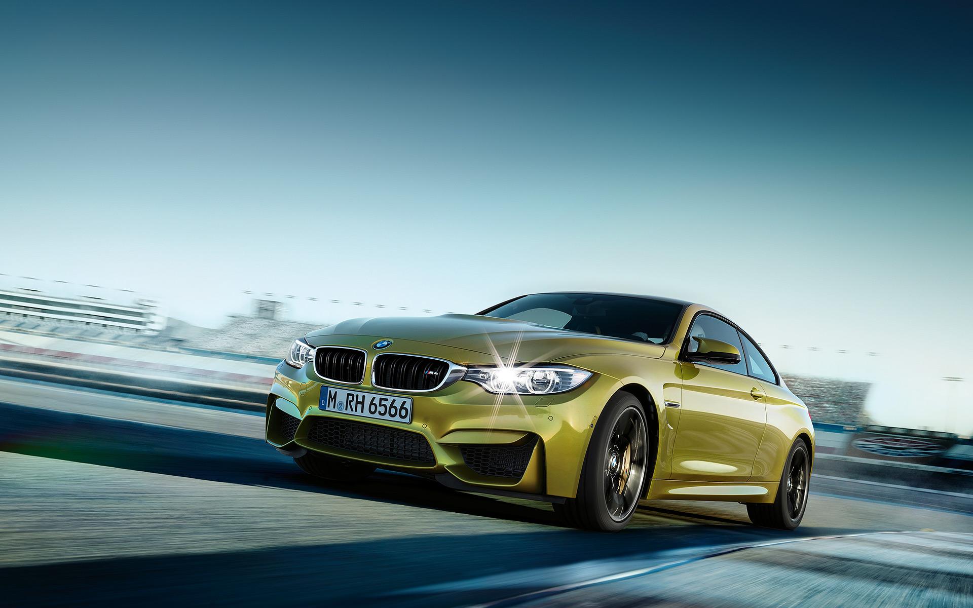 Amazing BMW M4 Wallpaper
