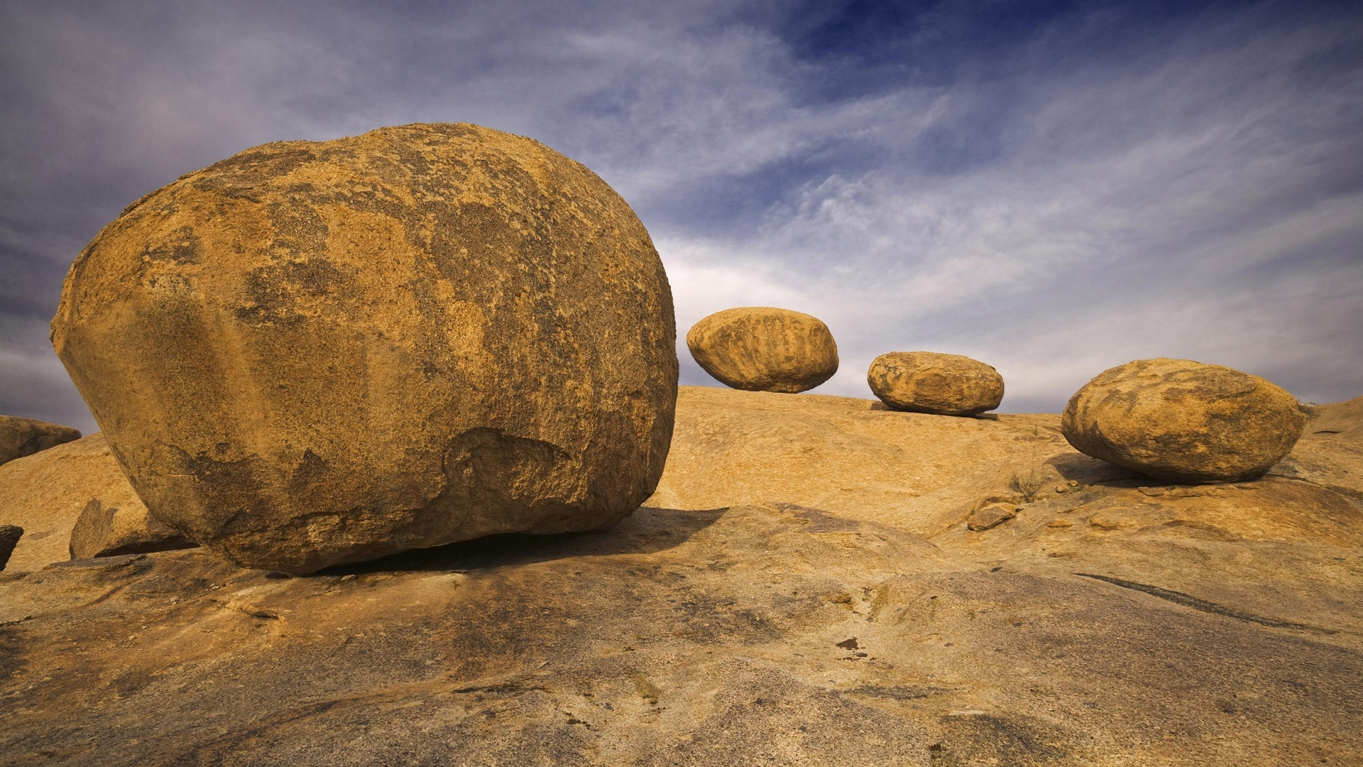 Amazing Boulders Wallpaper