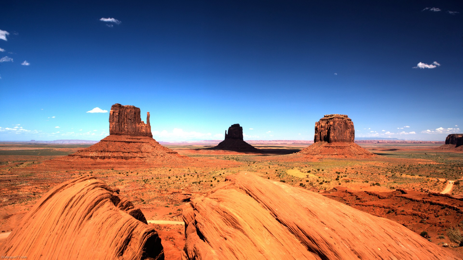 Amazing Desert Landscape Wallpaper