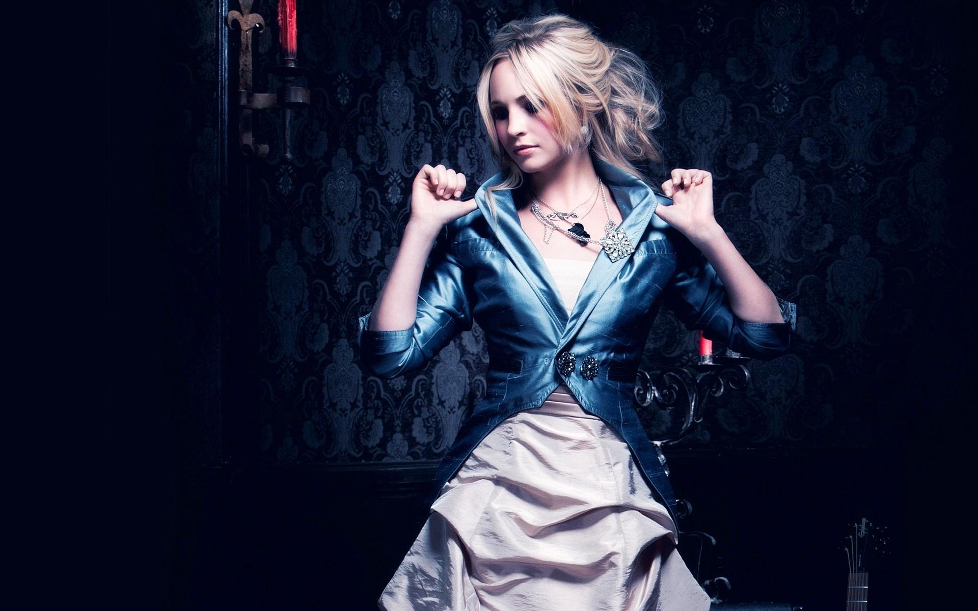 Amazing Dress Wallpaper 35583