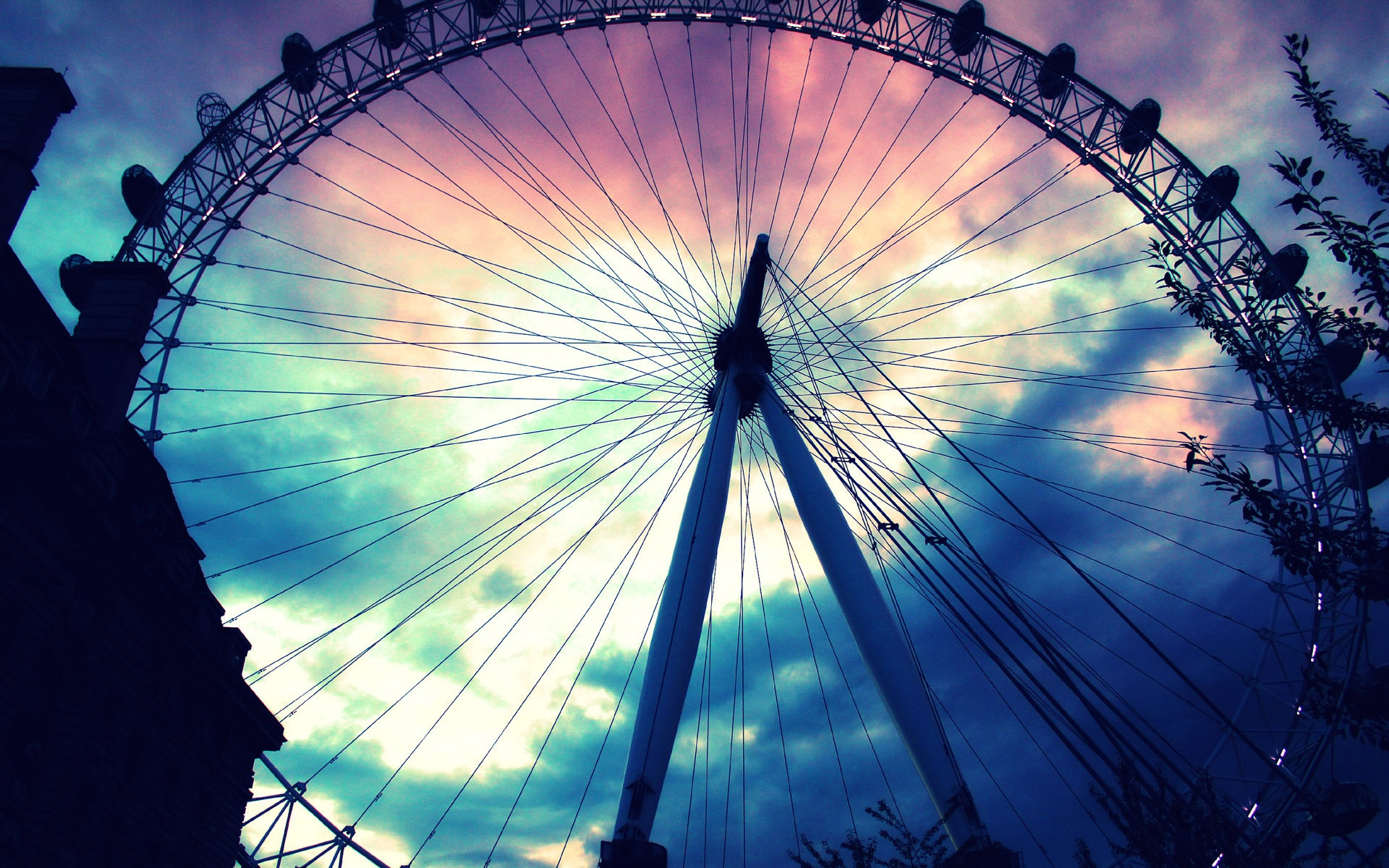 Amazing Ferris Wheel Wallpaper