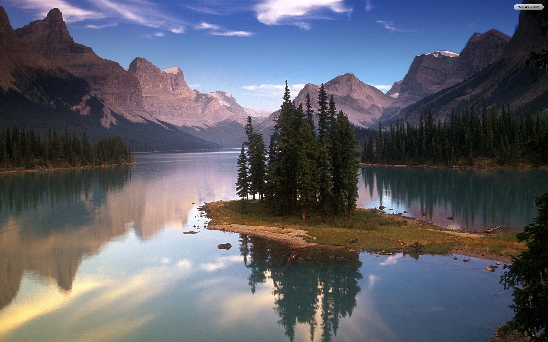 Amazing Lake Wallpaper