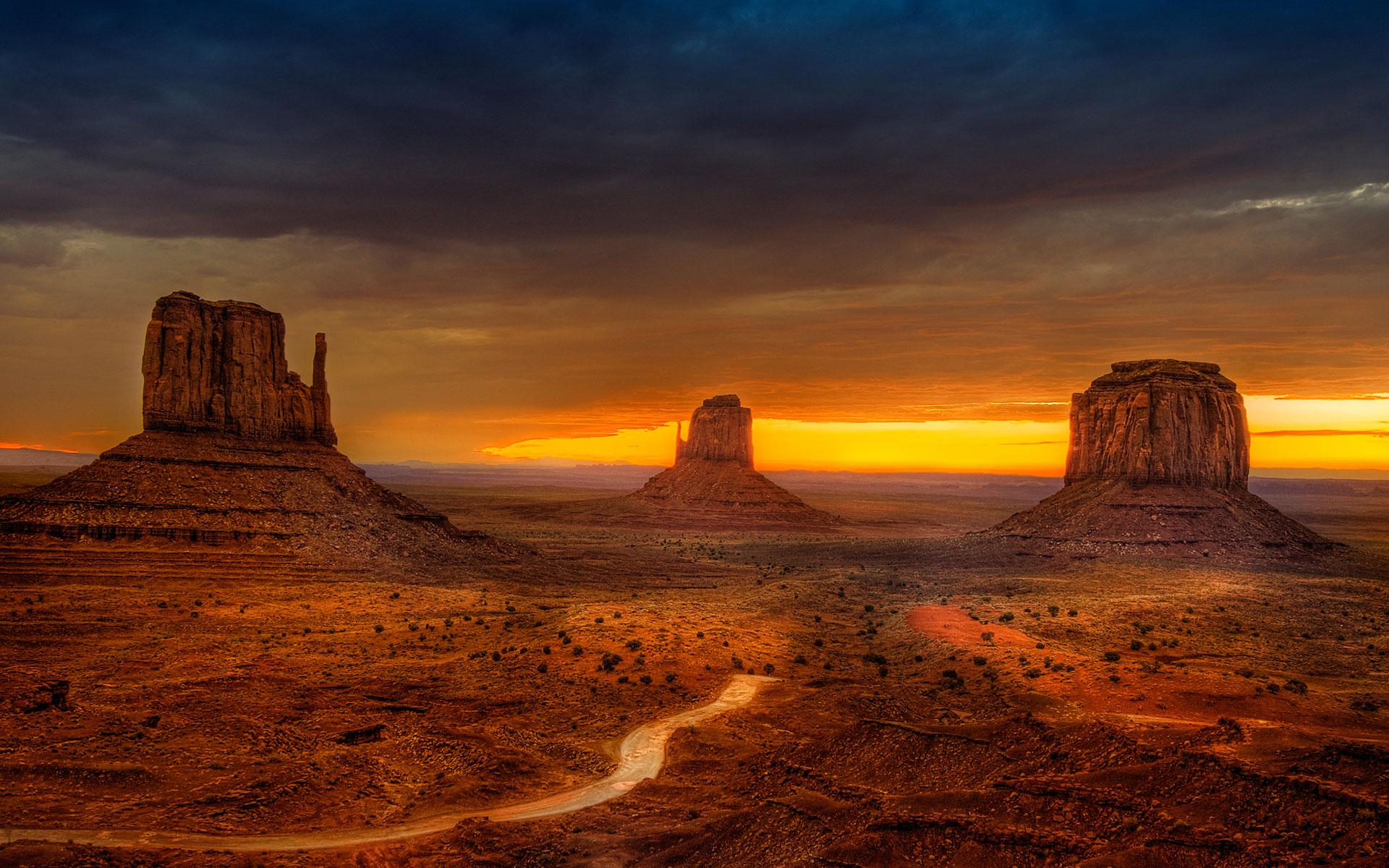 Amazing Monument Valley Wallpaper