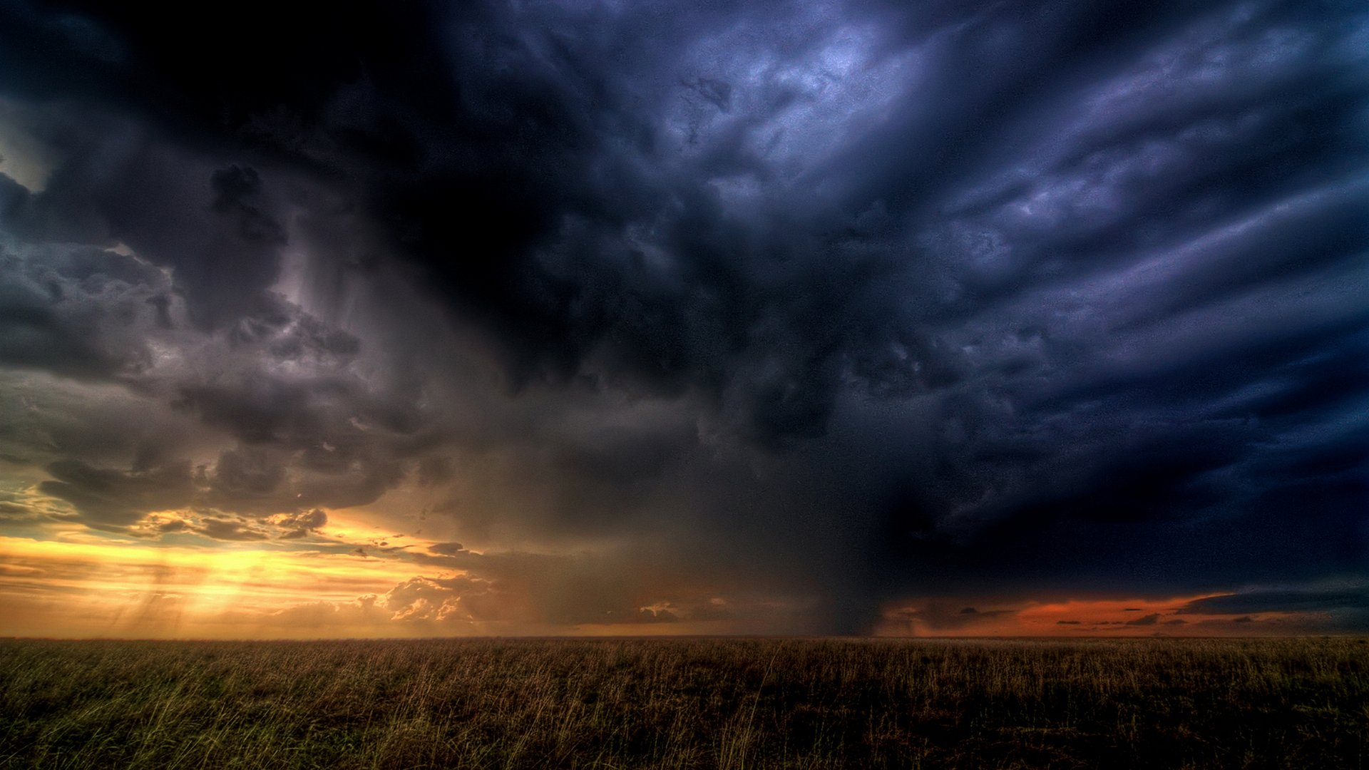 Amazing Storm Clouds Wallpaper