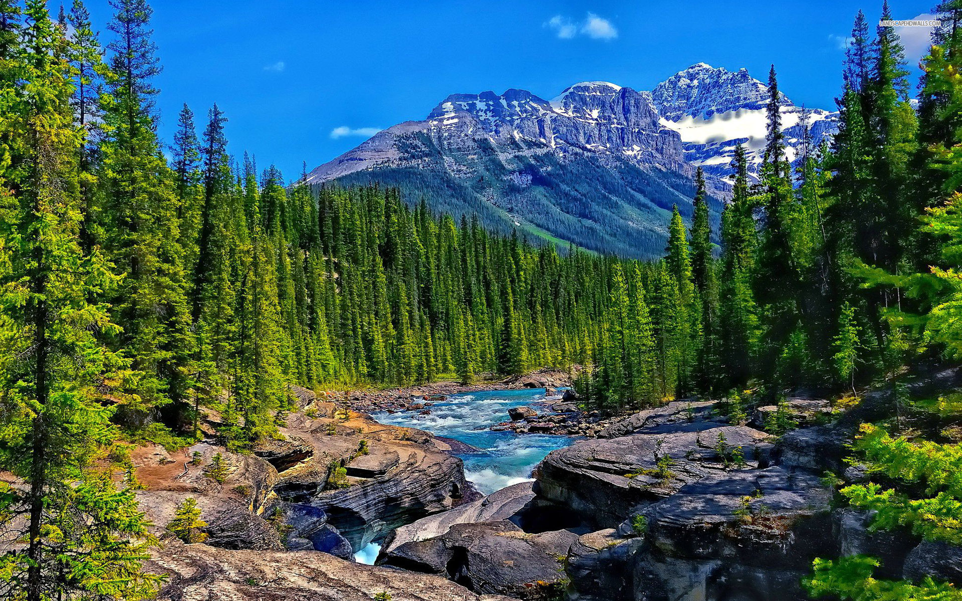 Amazing mountain stream Wallpaper