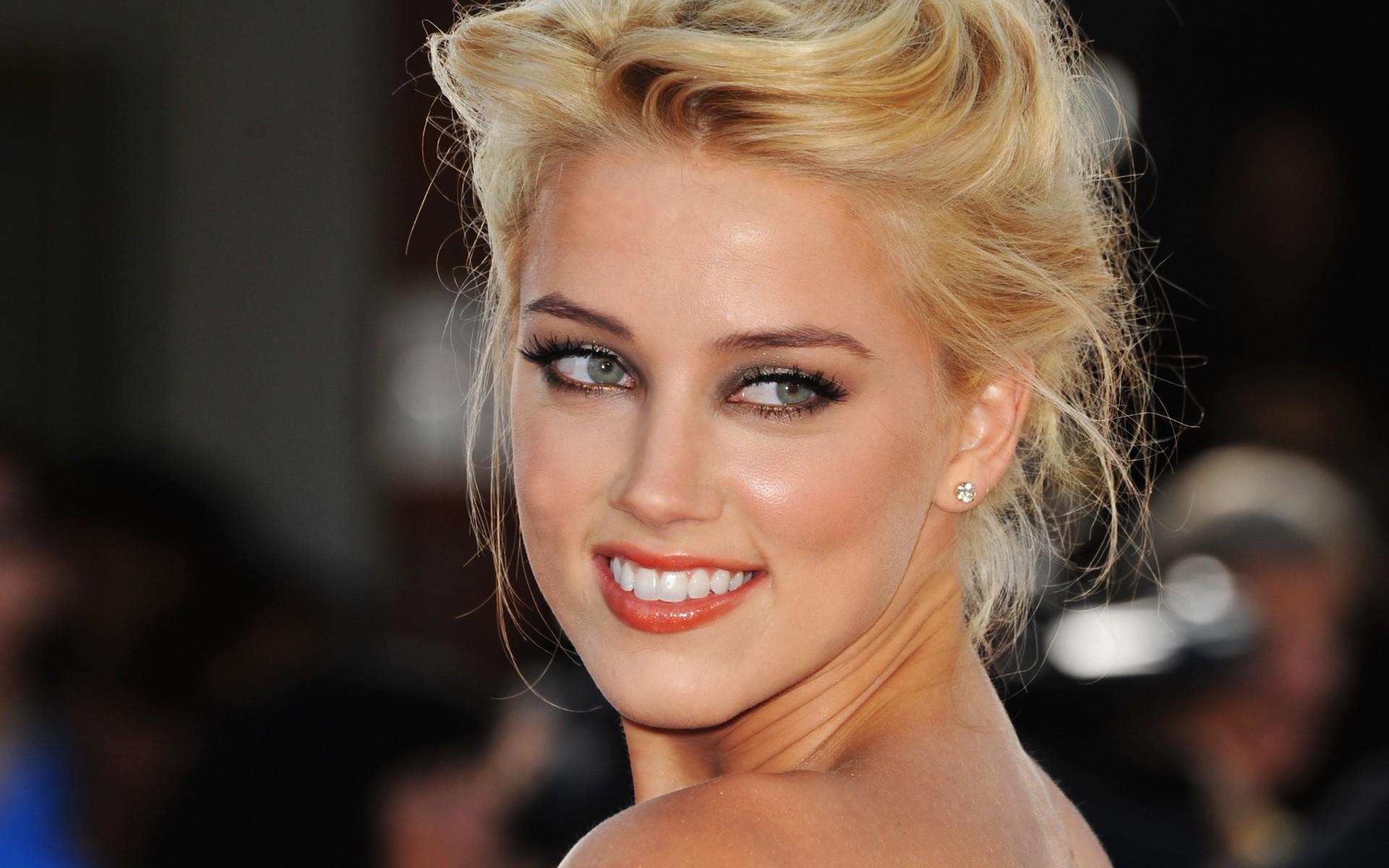 ... Amber Heard Wallpaper ...