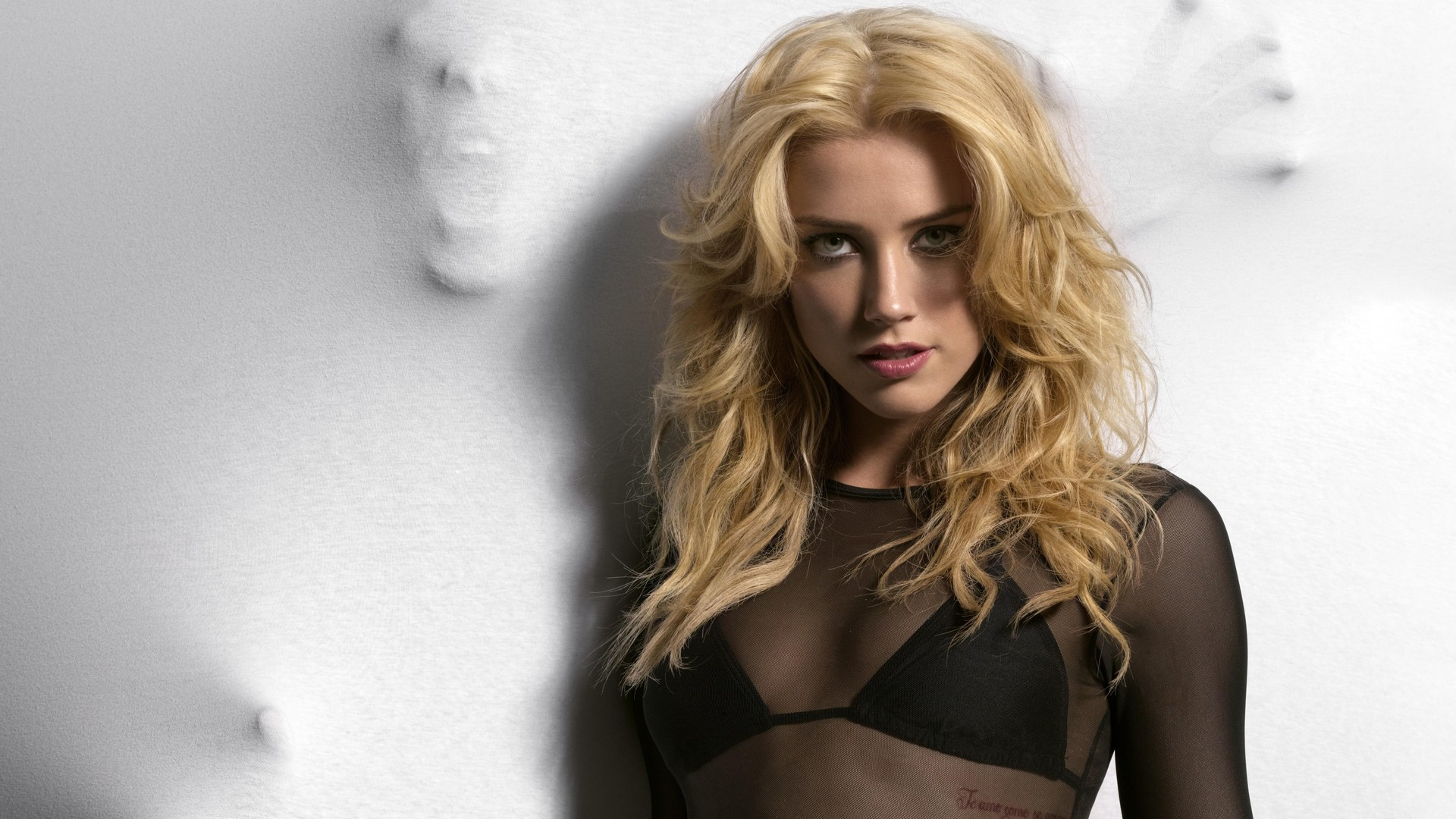 amber-heard-wallpaper-sexy