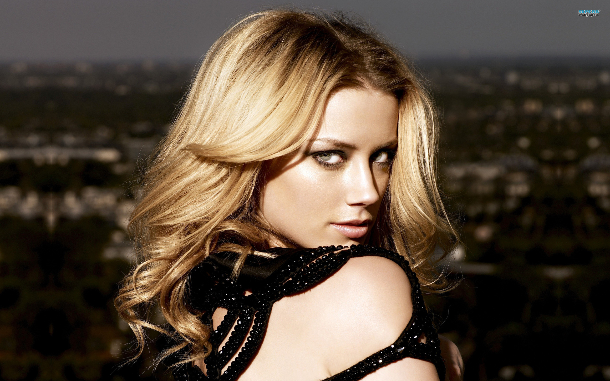 Amber Heard wallpaper 2560x1600 jpg