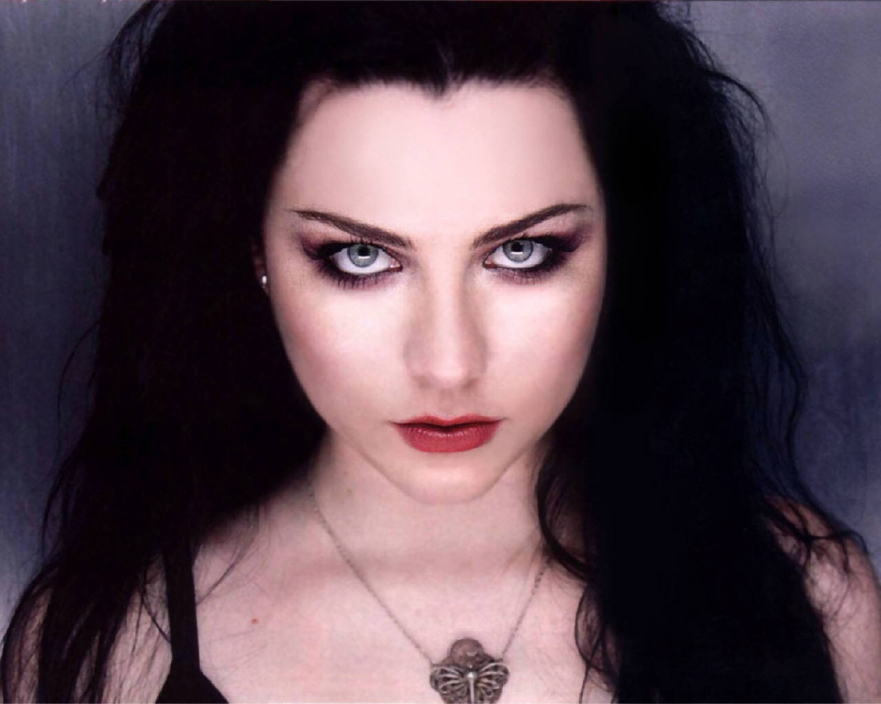 Amy Lee is the co-founder and lead vocalist of the rock band Evanescence.