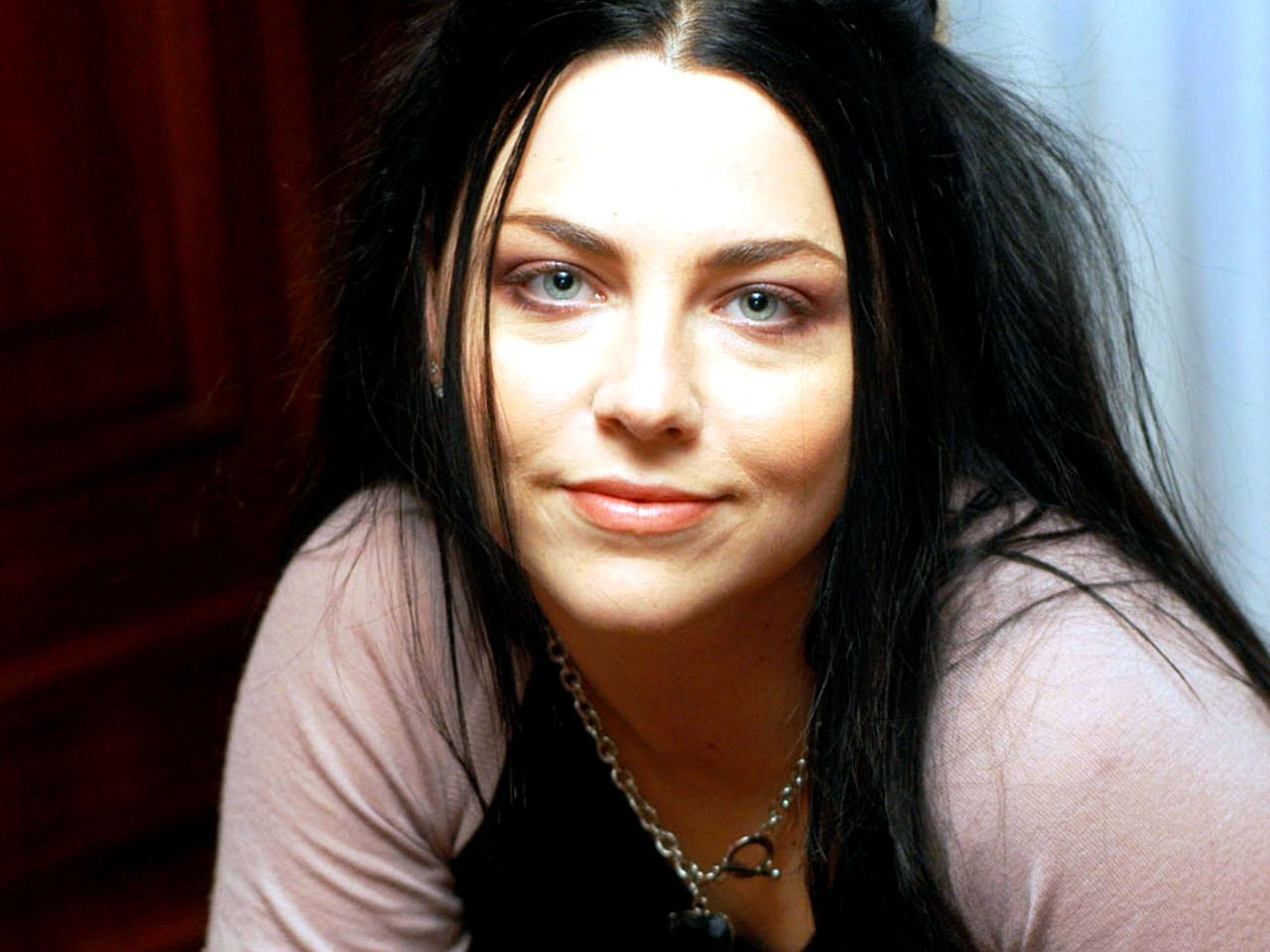 Amy Lee Res: 1280x960 / Size:119kb. Views: 100894