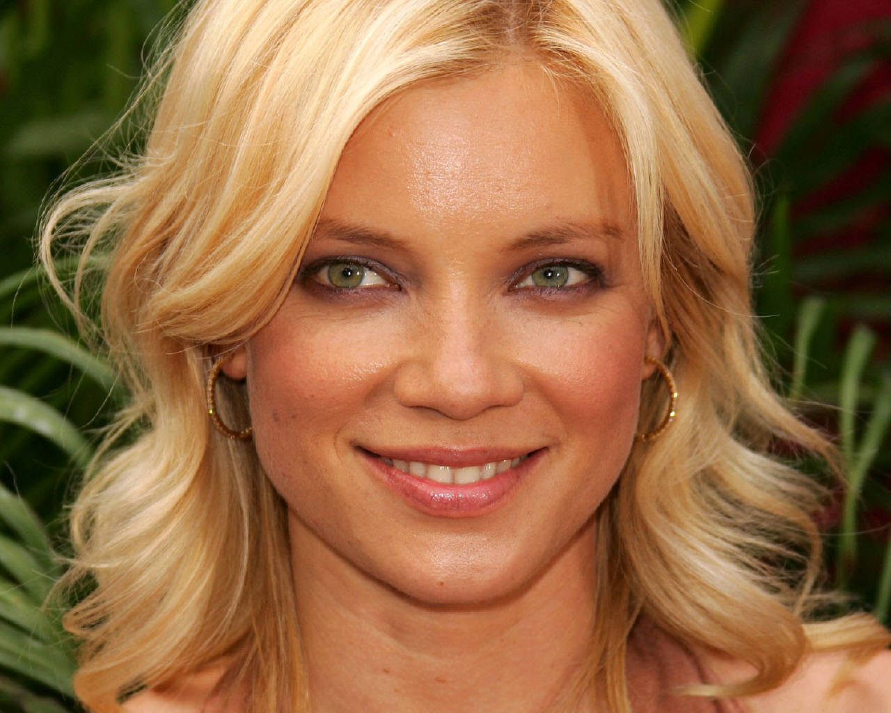 Amy - amy-smart Wallpaper