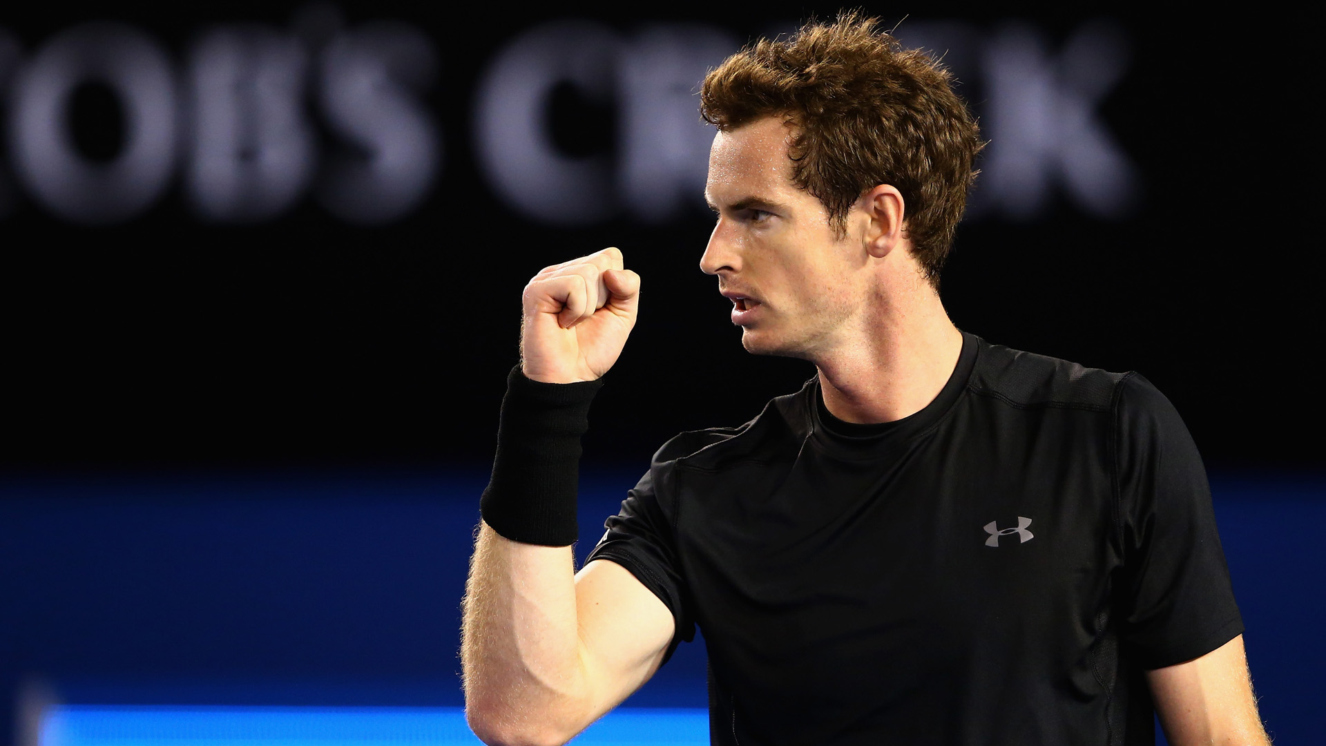 Andy Murray is through to the quarter-finals of the Australian Open after a roller