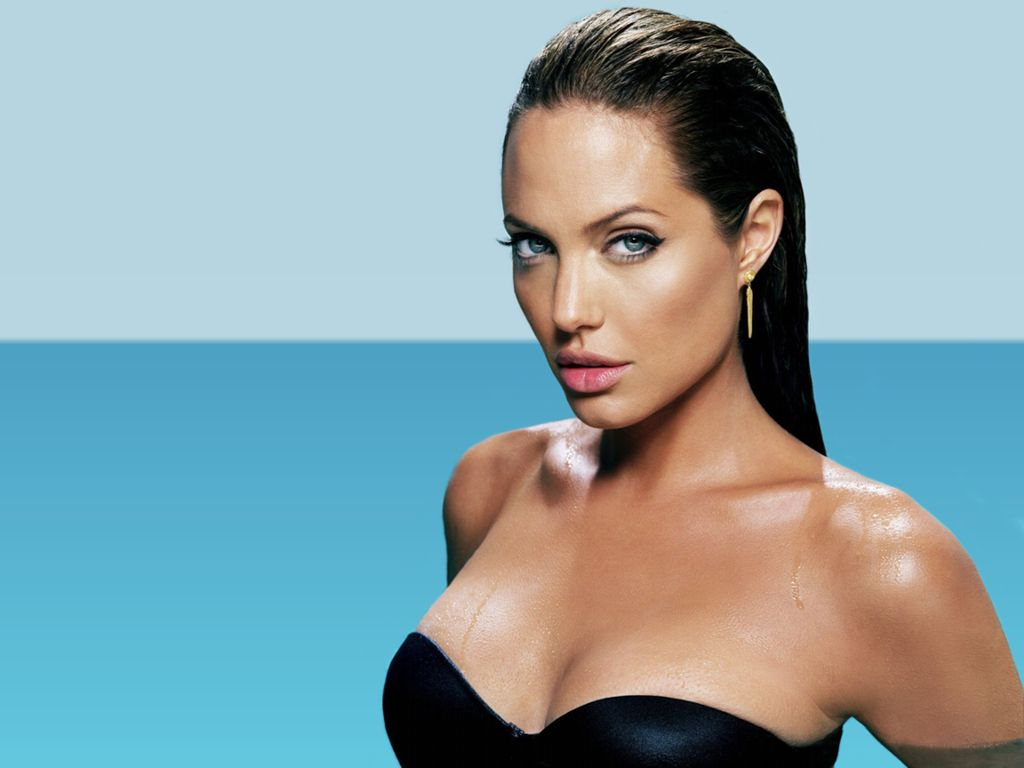 ... did angelina jolie have a nose job ...