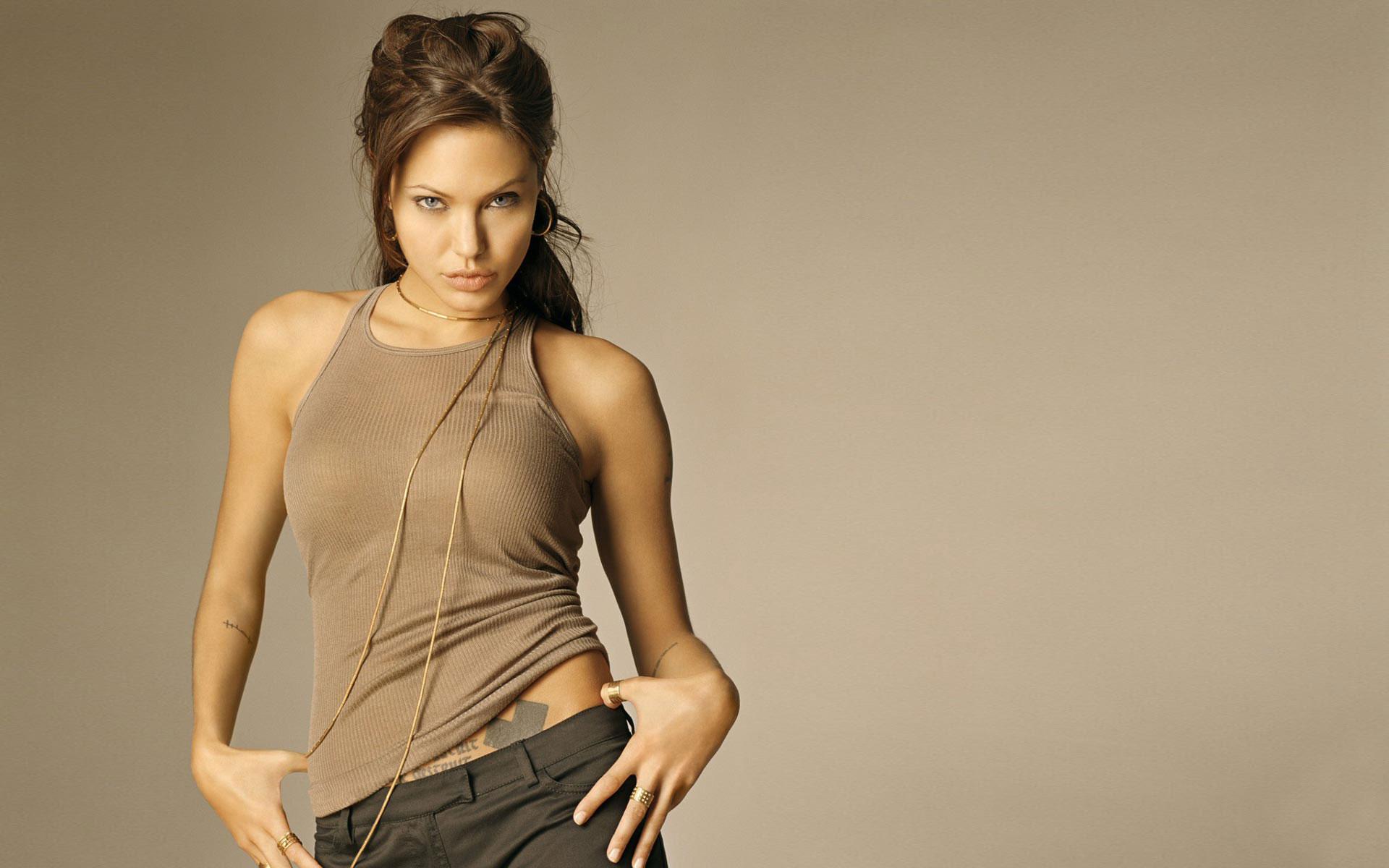 Angelina Jolie Widescreen