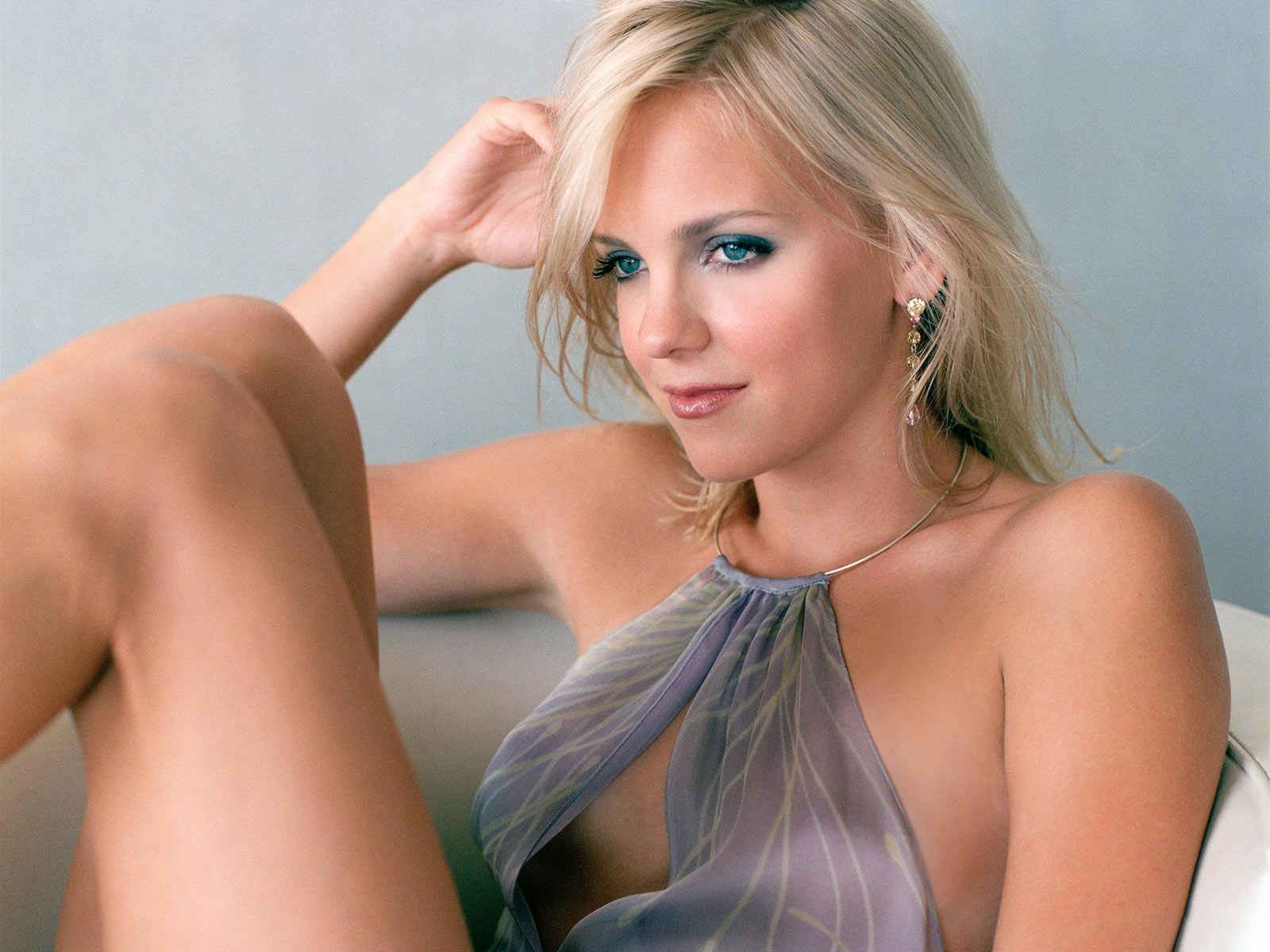 Anna Faris desktop wallpaper