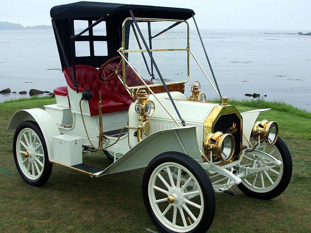 Buick Antique Car - 1909 Buick Model F
