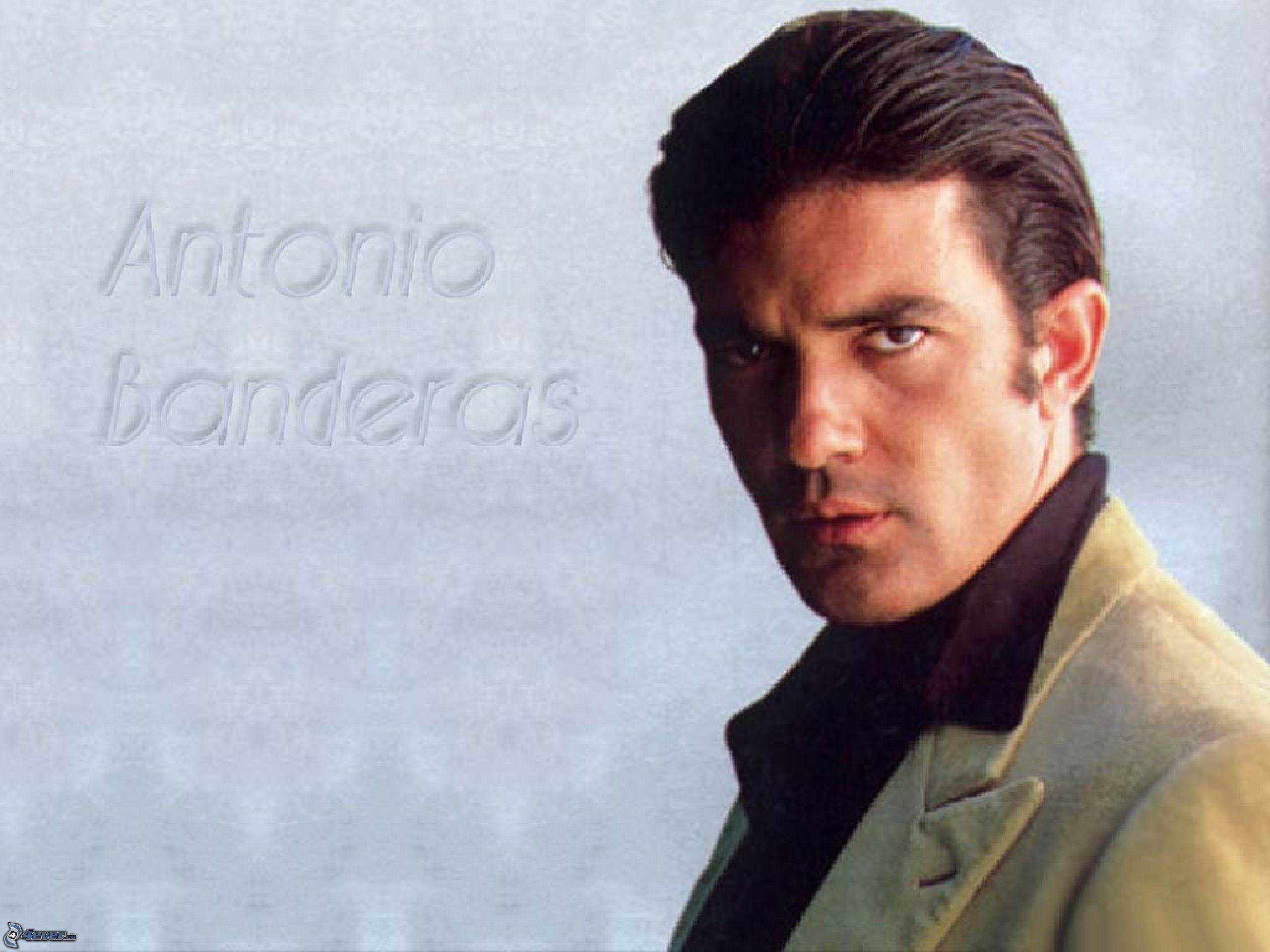 Antonio Banderas Action HD Wallpapers Free Download