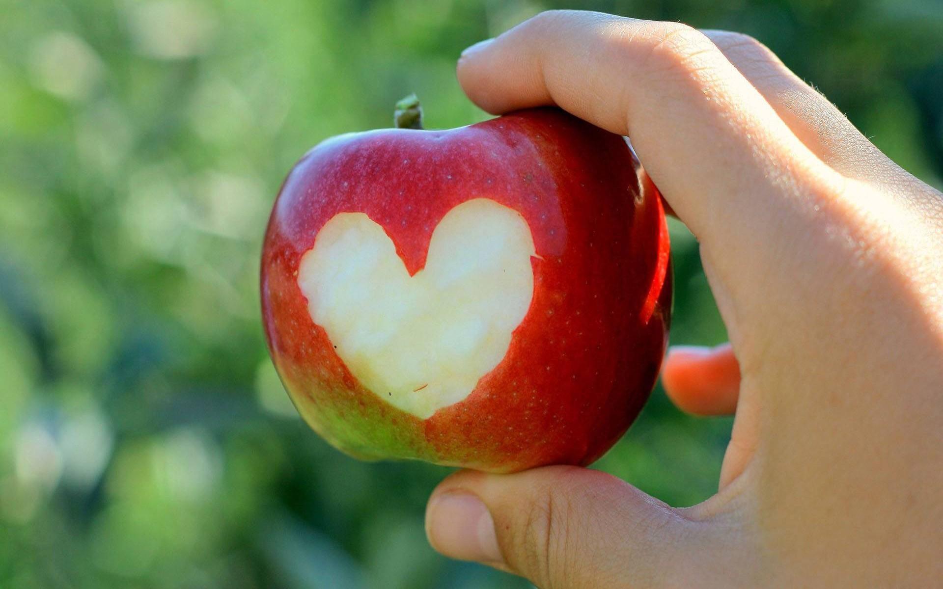 Apples food fruits hands hearts 1920x1200