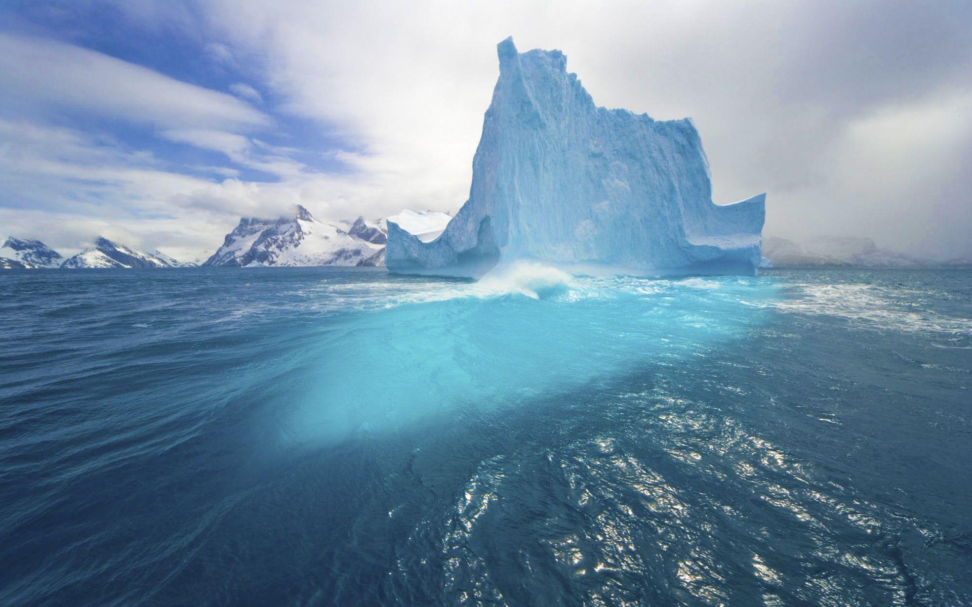 Big Arctic Iceberg (click to view)