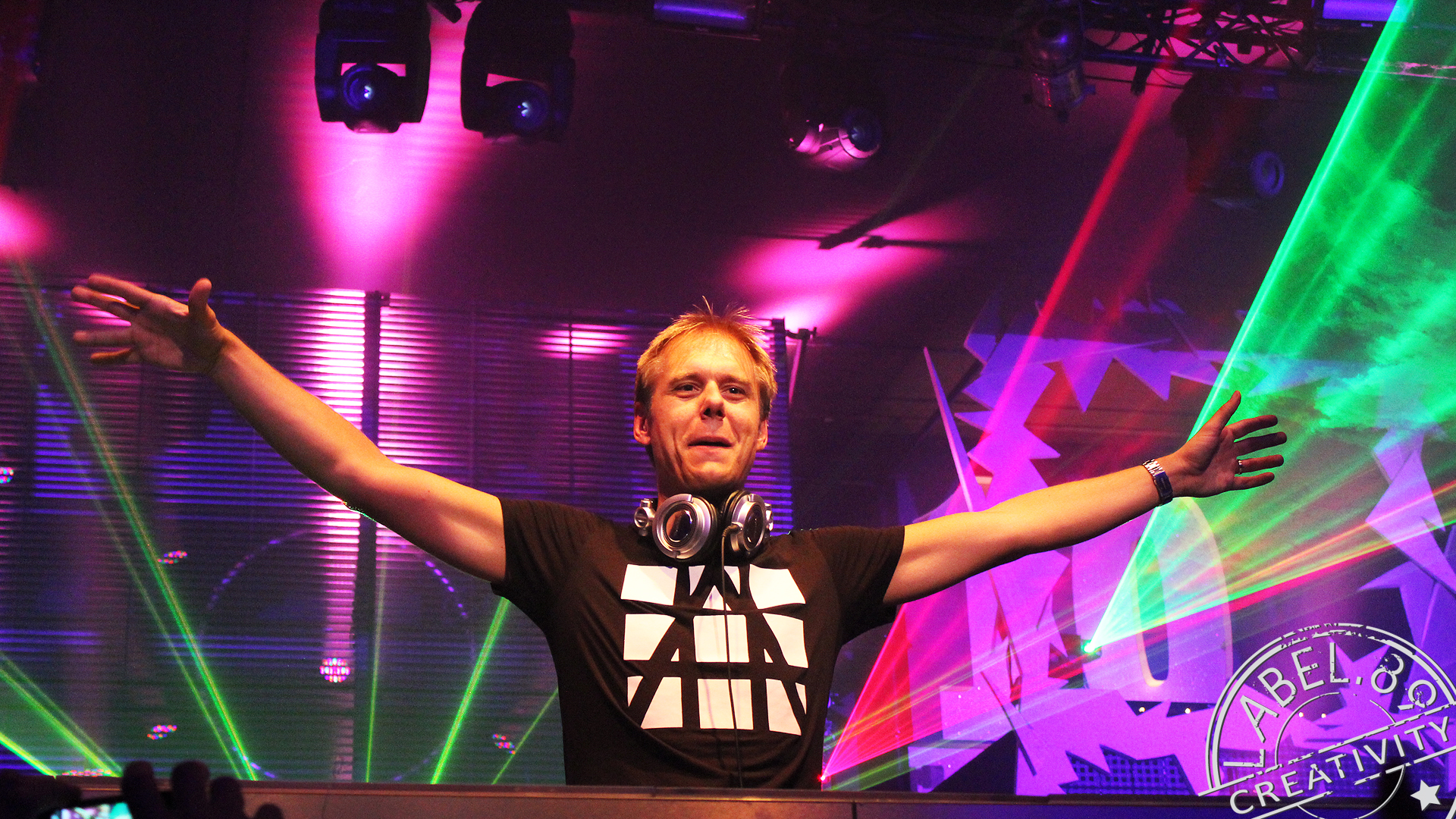 Armin van Buuren does the official remix for Game of ThronesGeeks & Cleats
