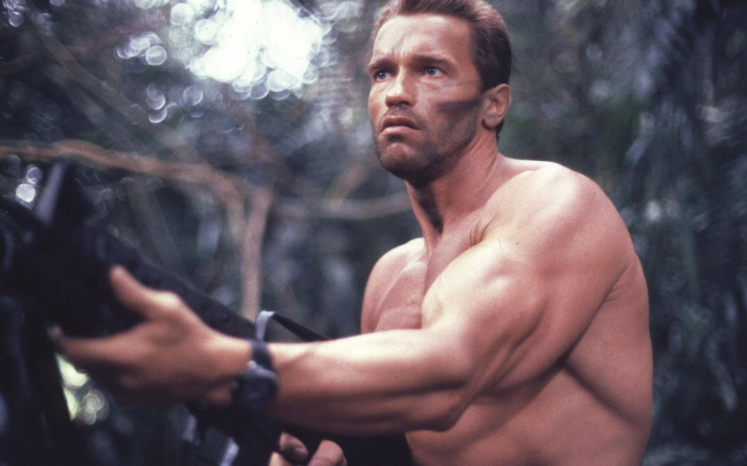 Arnold-Schwarzenegger-Predator-2560x1600