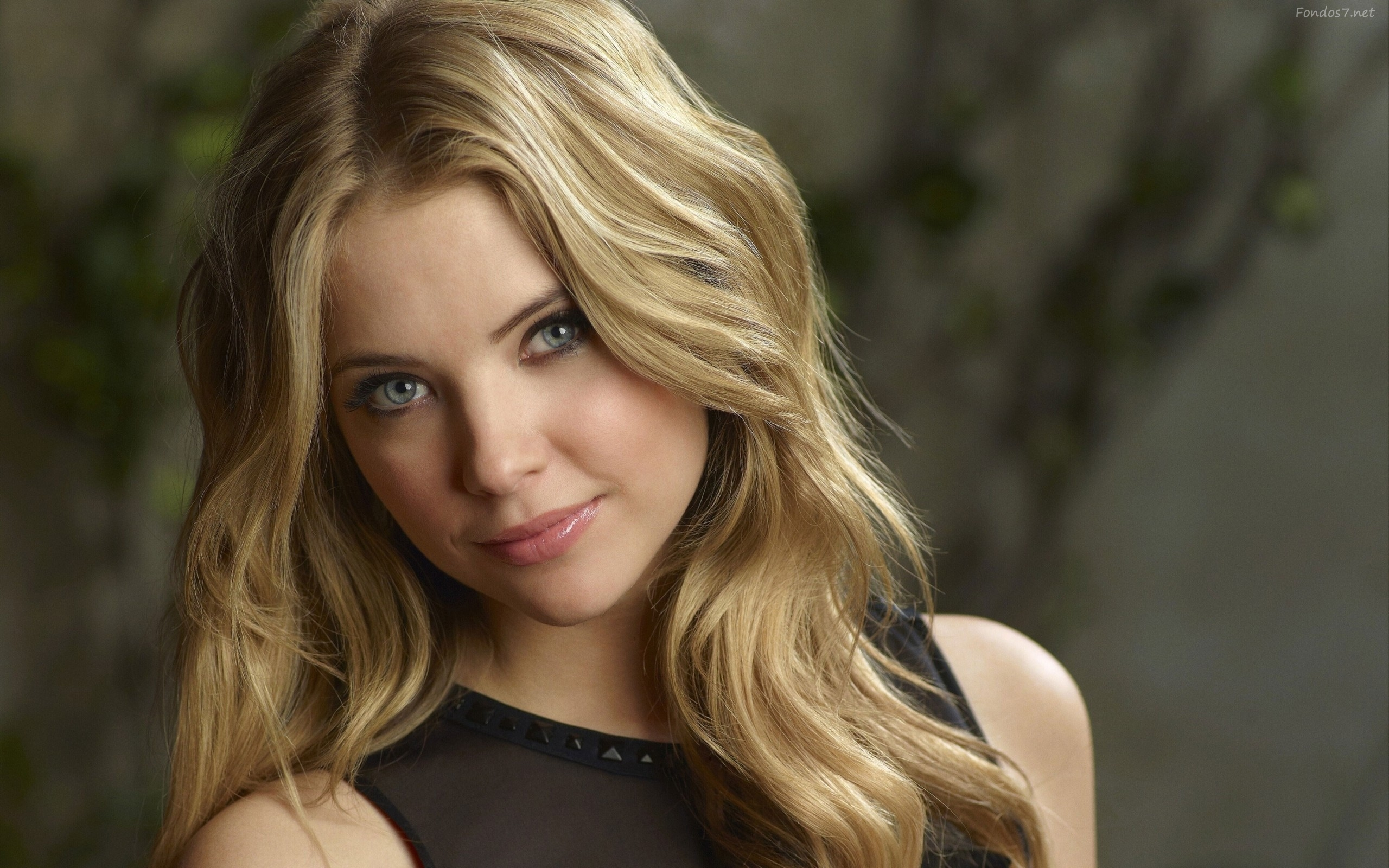 Lovely Ashley Benson Wallpaper Photo