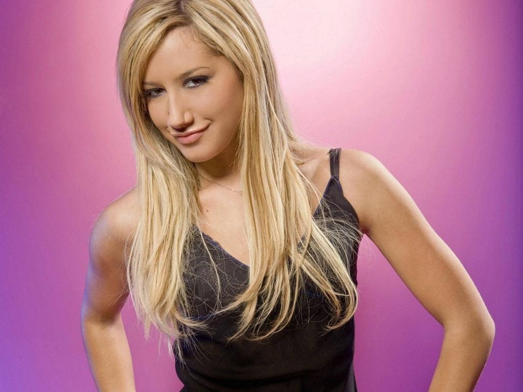 Ashley Tisdale Wallpaper (1024 × 768)