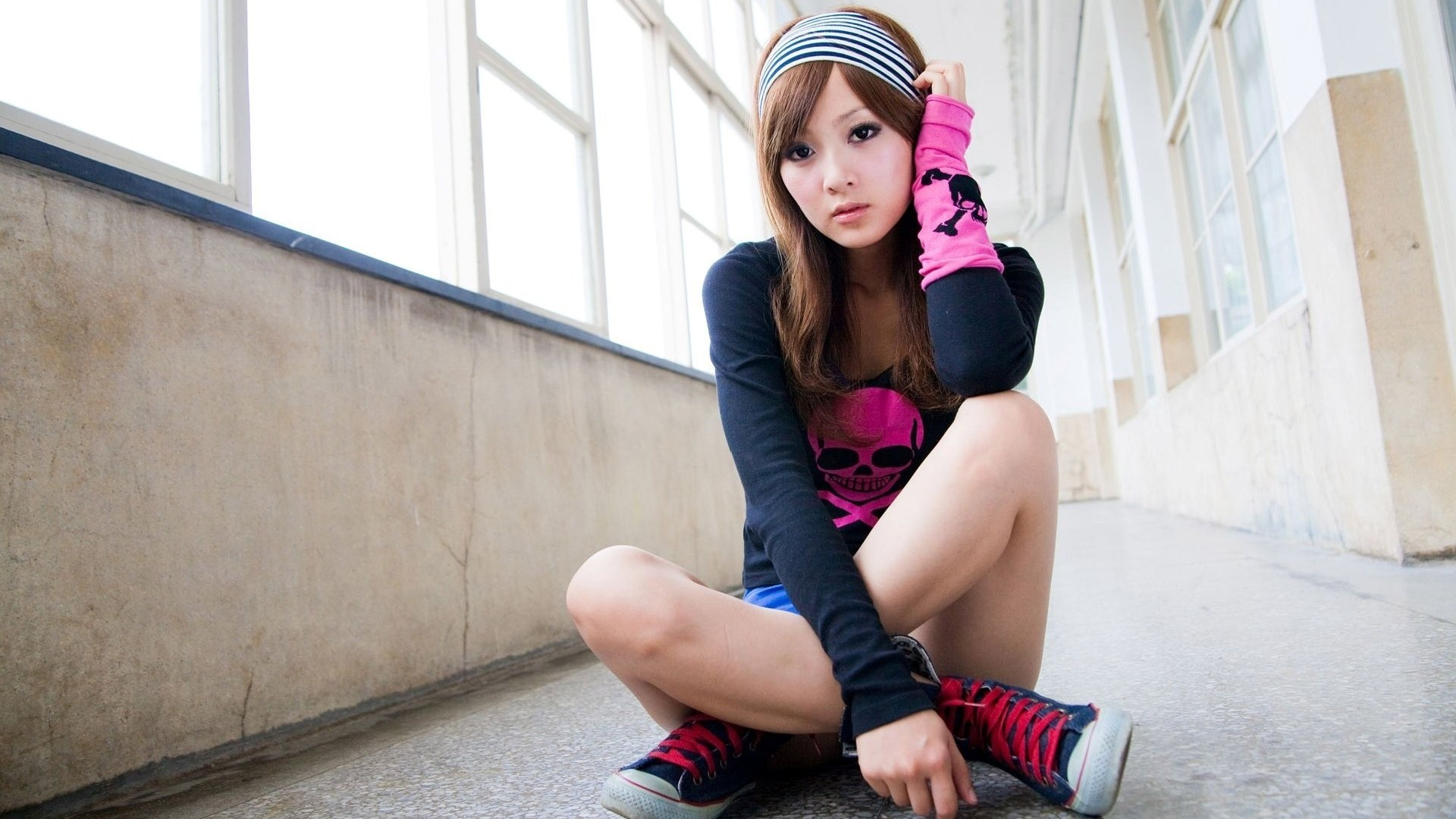 Have sexy asian girls wallpapers fill