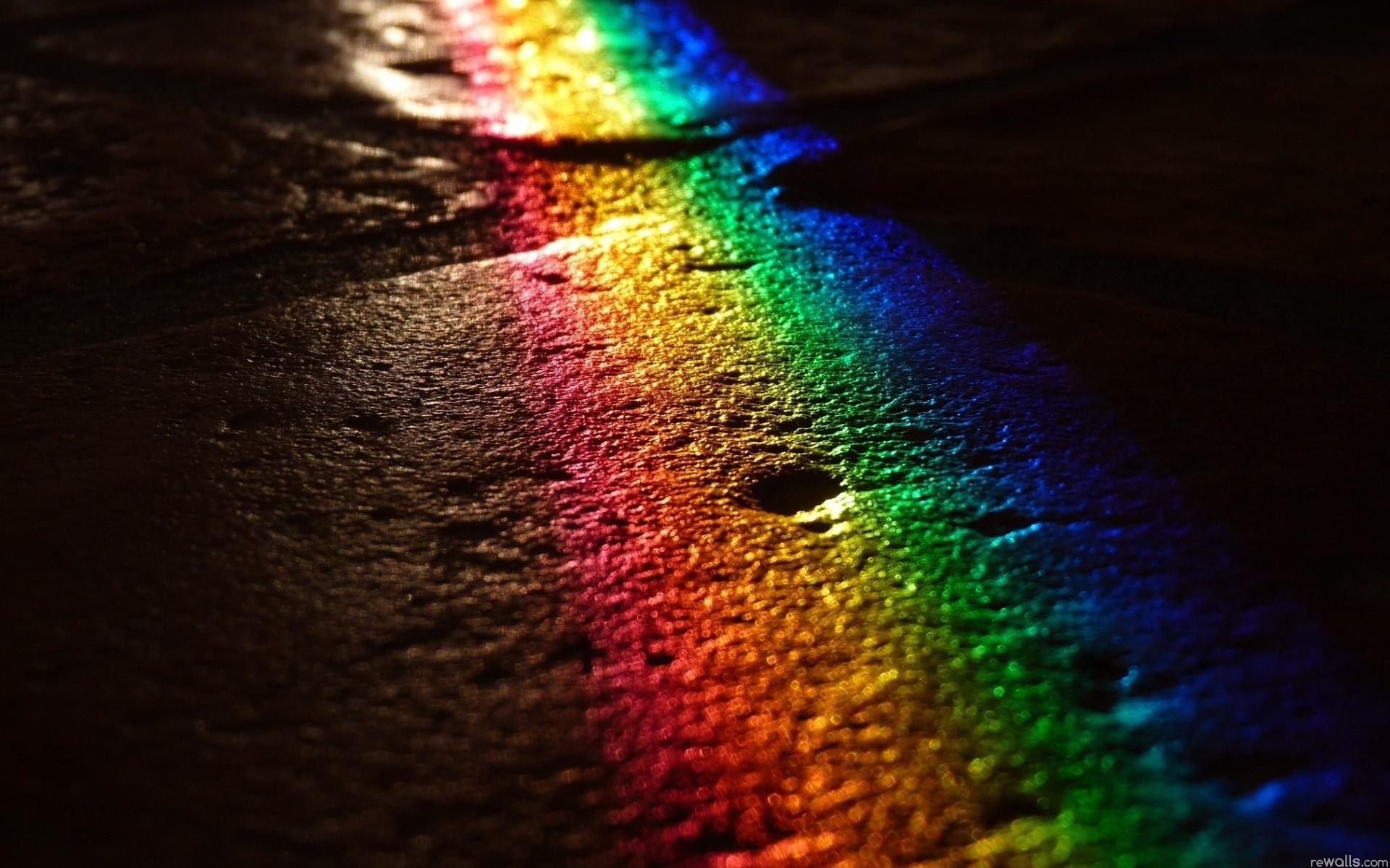 Asphalt rainbow light