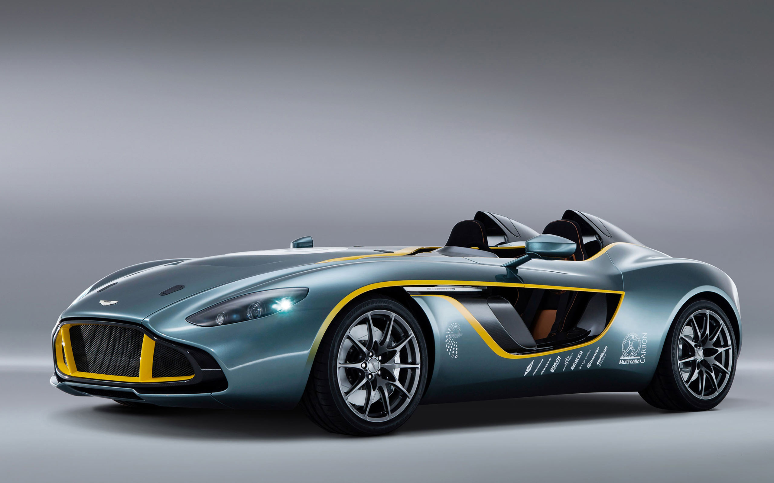 6745 views 2013 Aston Martin CC100 Speedster Concept