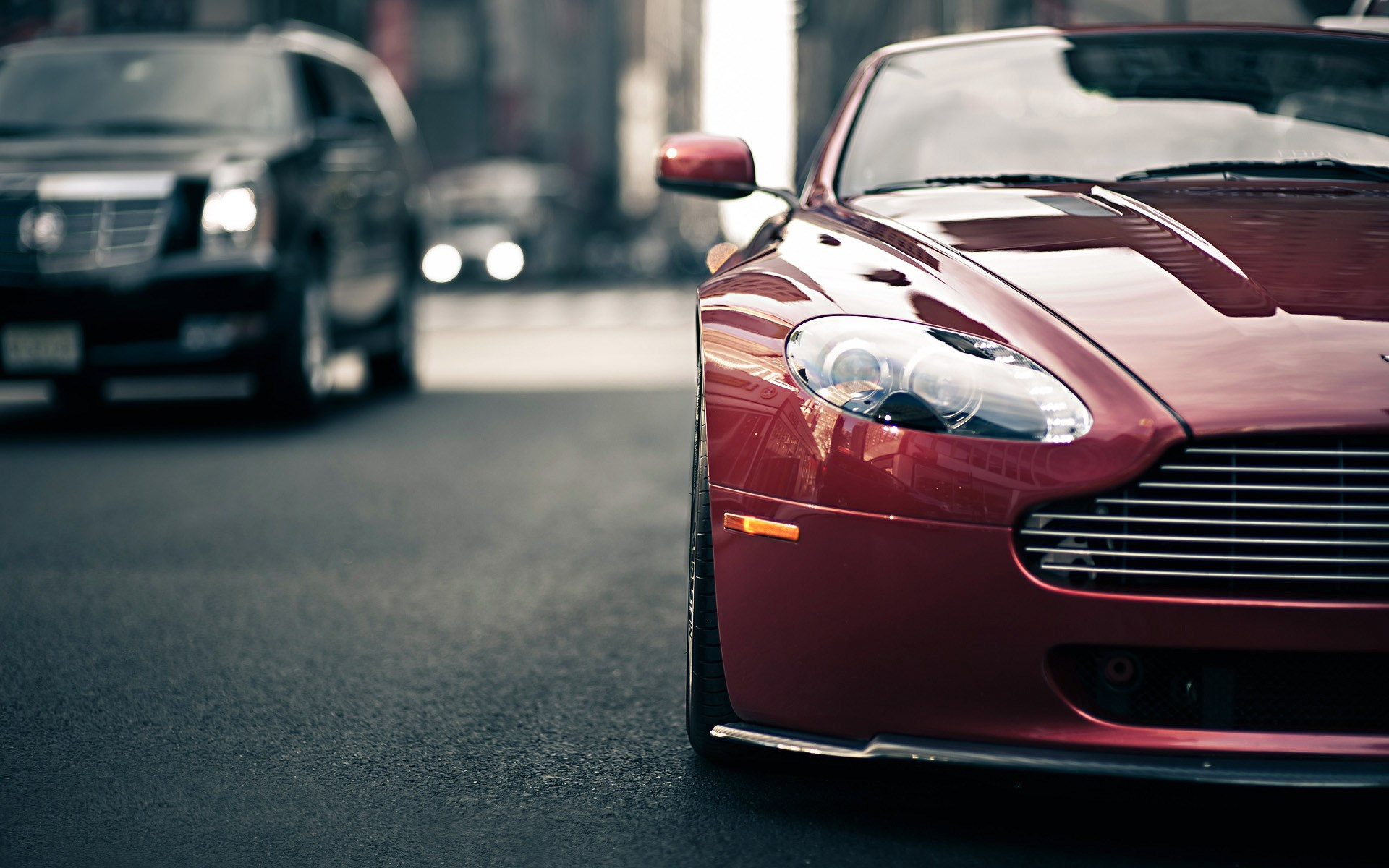 Aston Martin V8 Vantage Traffic City