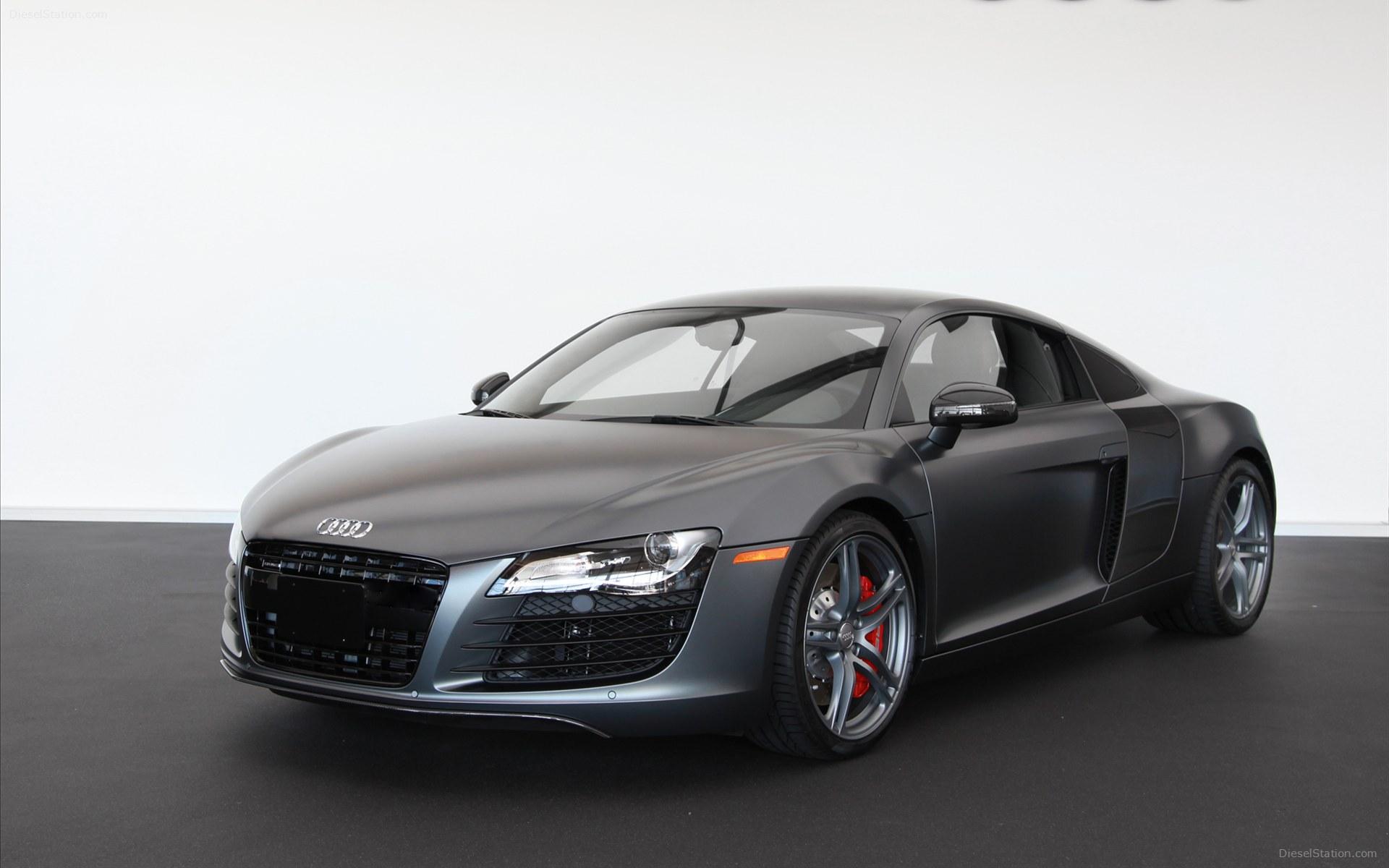 ... Audi R8 #7 ...