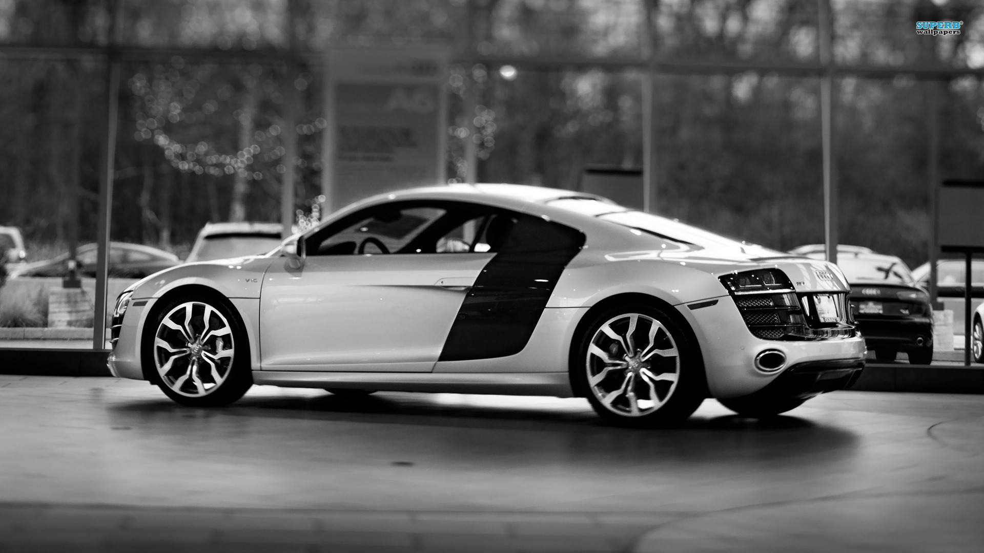 Audi R8 Black Red Image 7