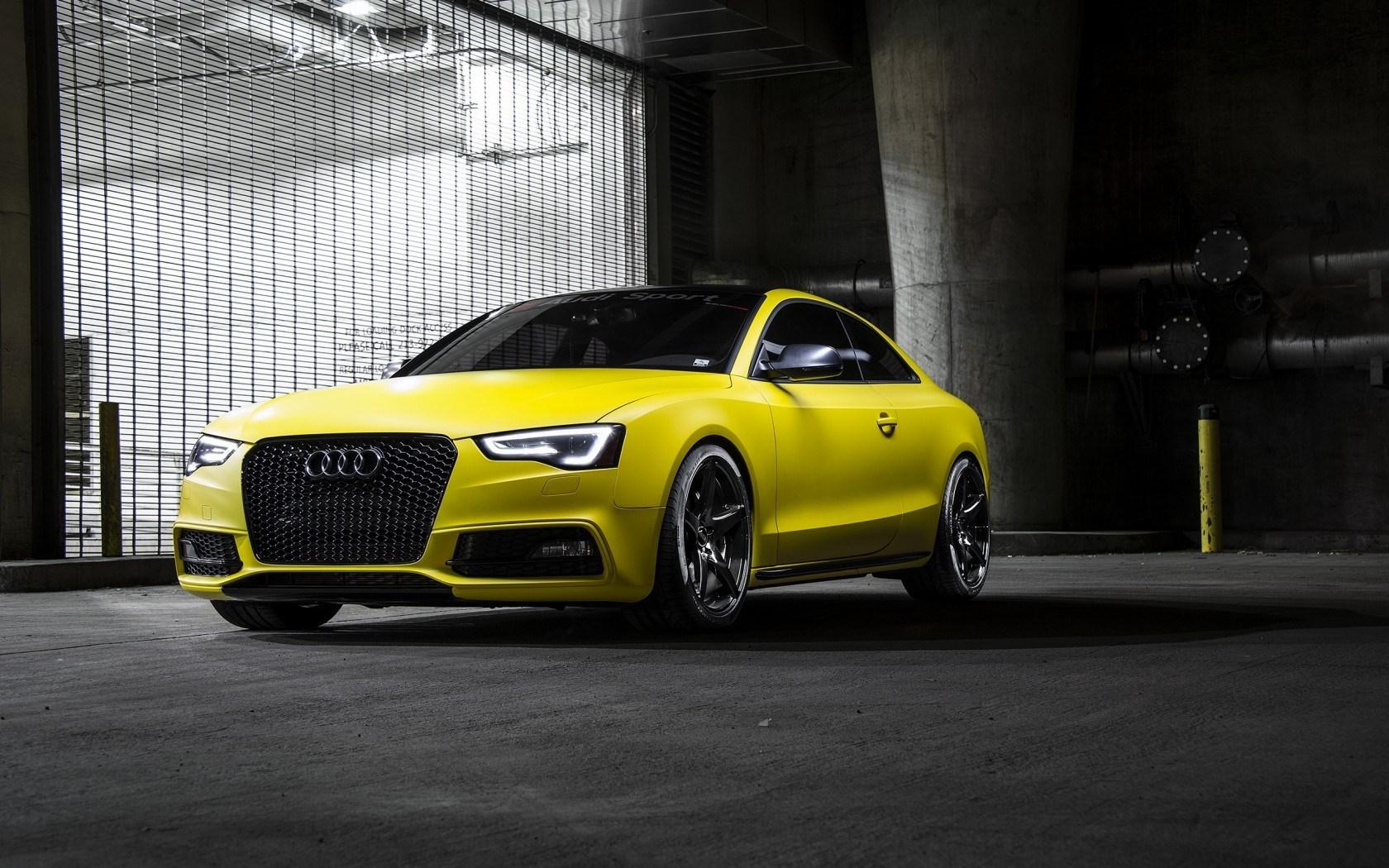 Audi RS5 Yellow Car