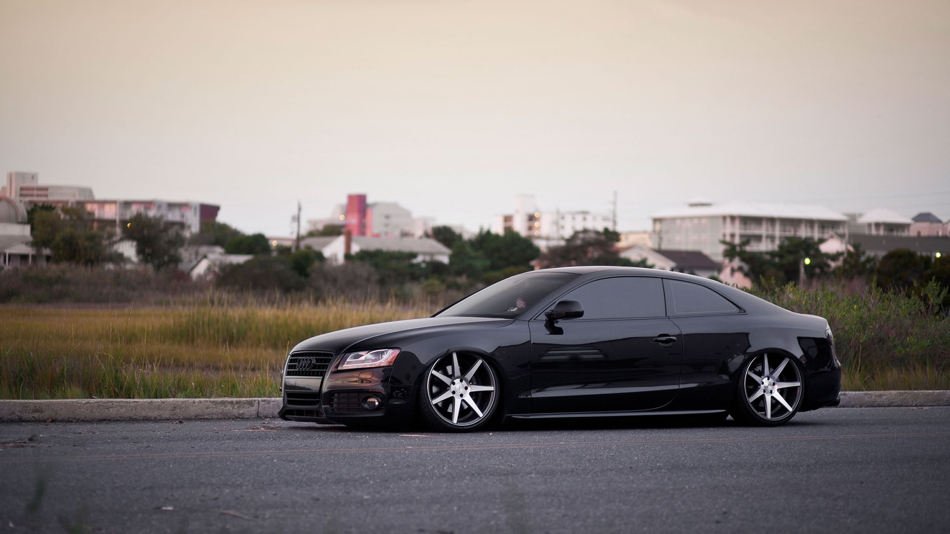 Car of the day – 2009 Audi S5 Accuair on 20 inches Vossen wheels 1920×1080 HD