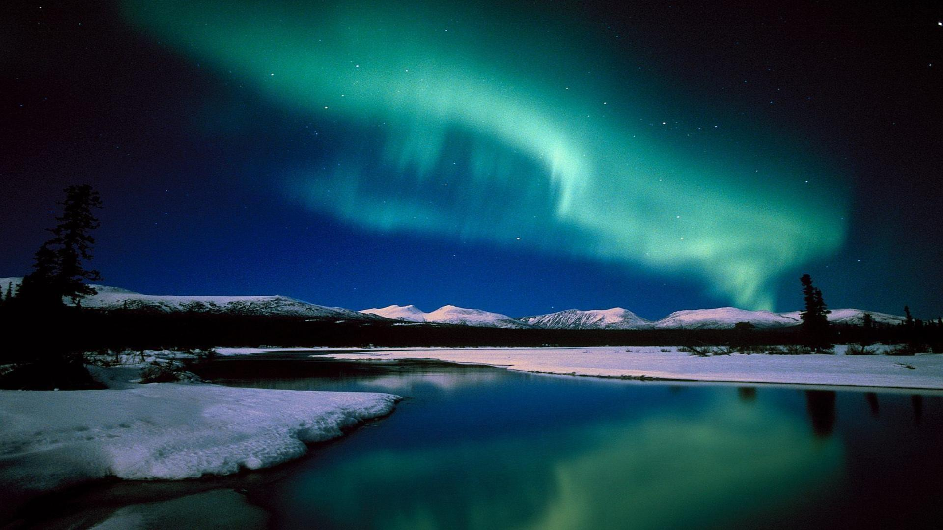 Aurora Borealis Wallpaper Full HD Desktop