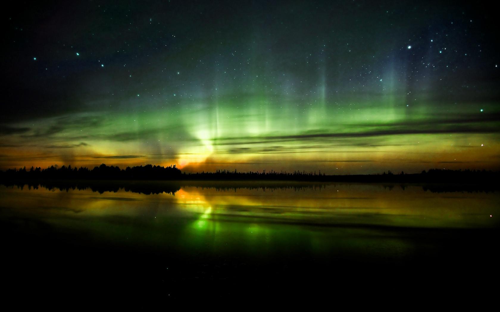 Aurora Borealis Wallpaper 1680x1050