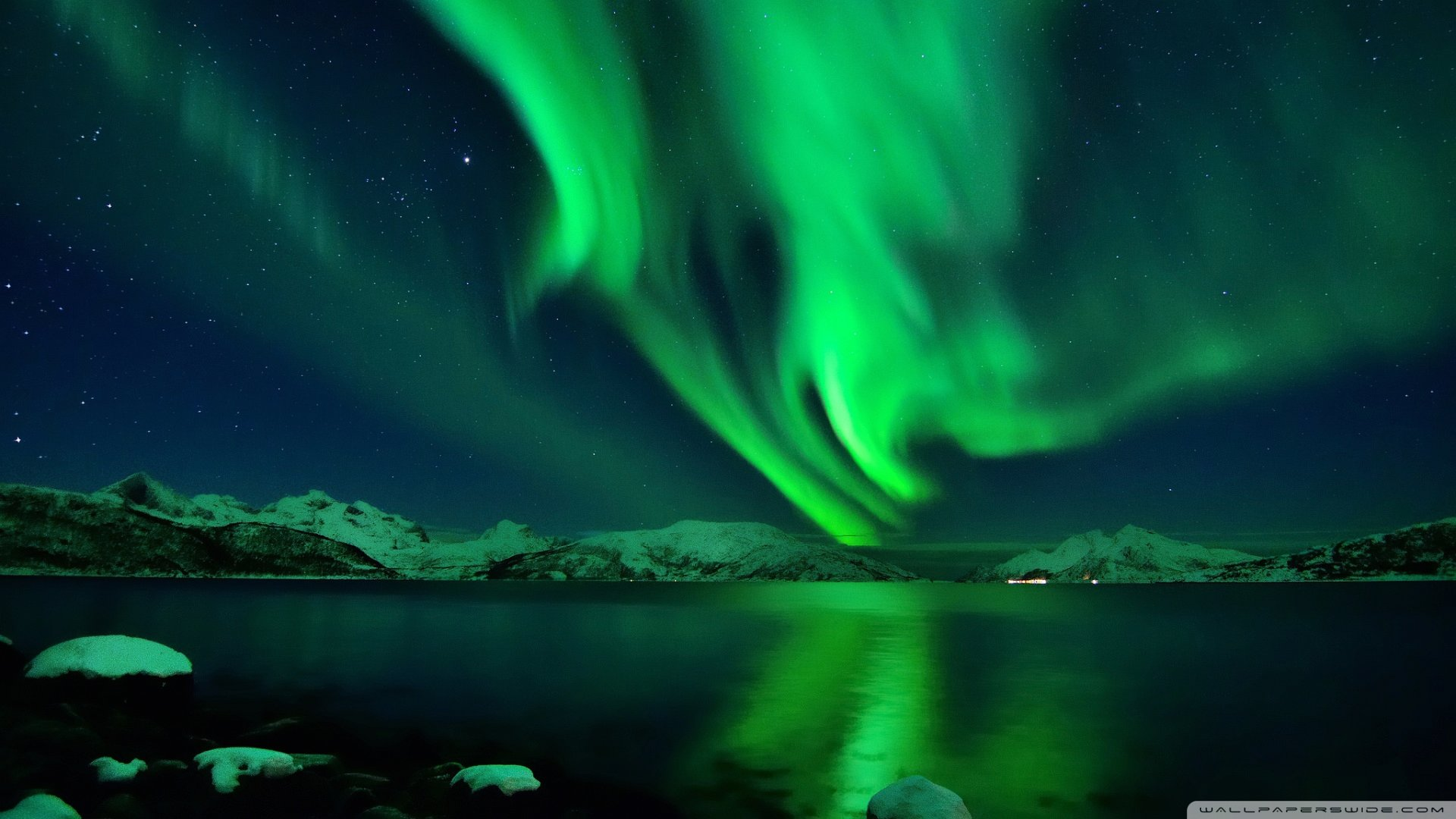 Wallpaper amazing boreal aurora green 1920 x 1080 full hd